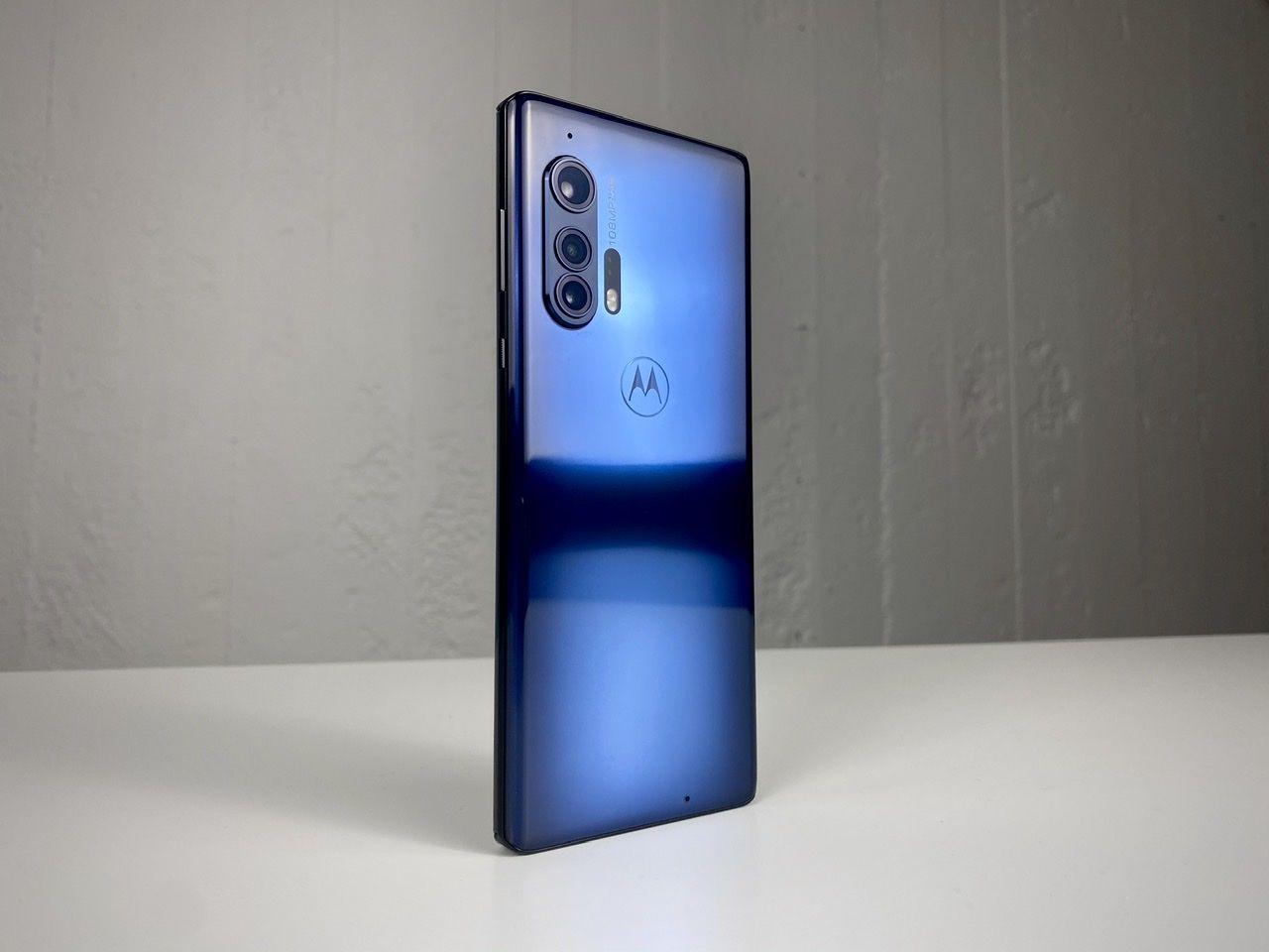 Motorola lovar att uppdatera Edge+ till Android 12