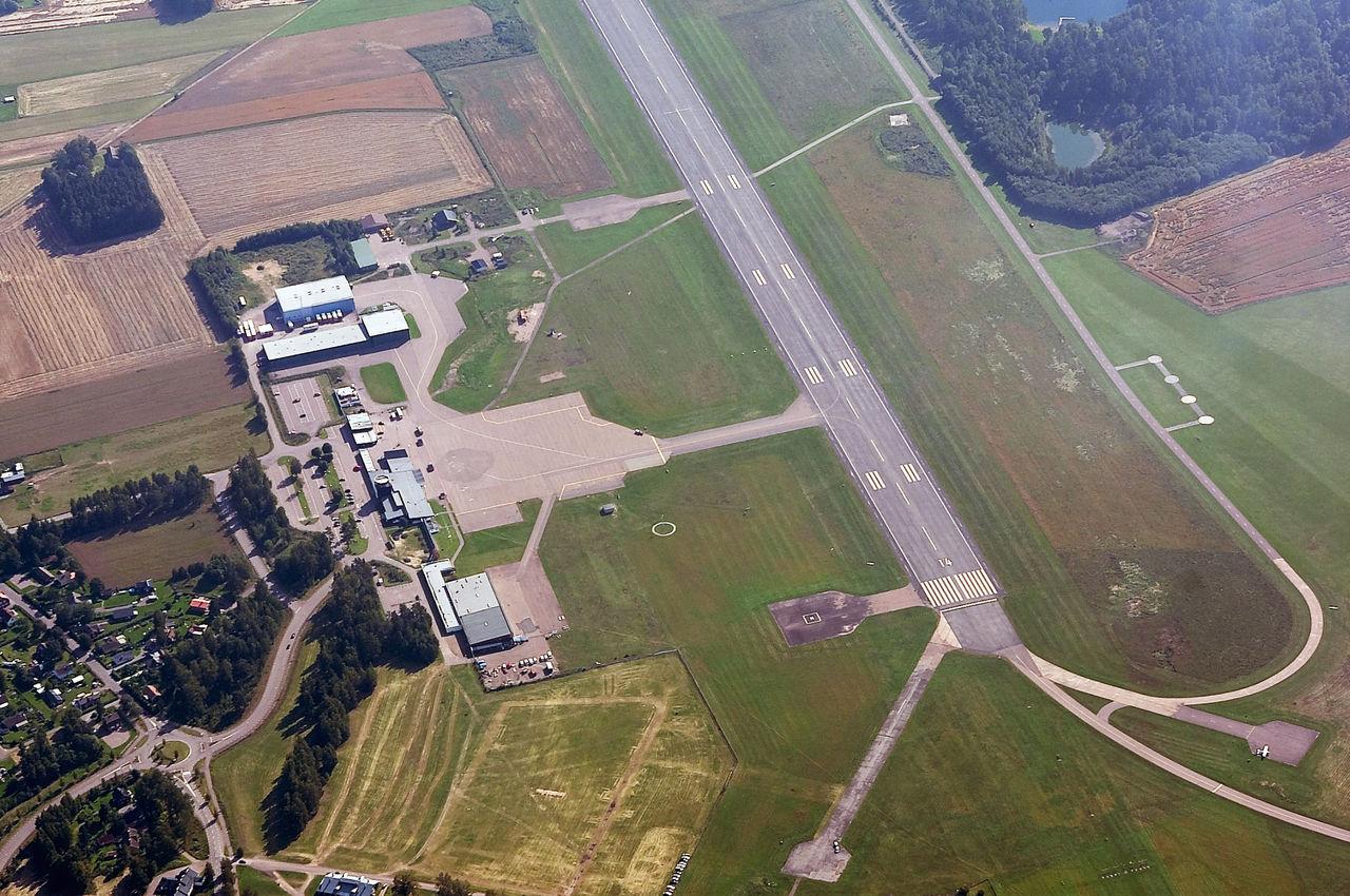 Första laddstationerna för elflyg tas nu i drift