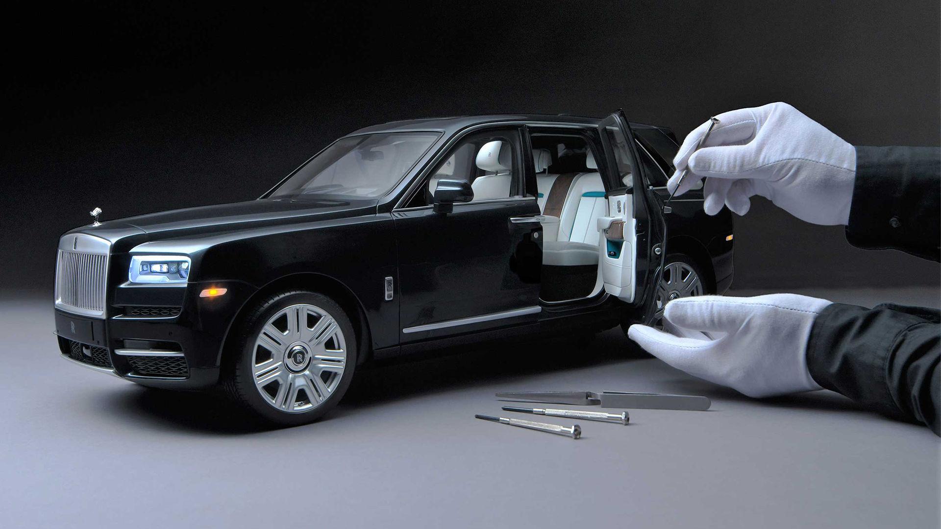 Rolls-Royce Cullinan i skala 1:8