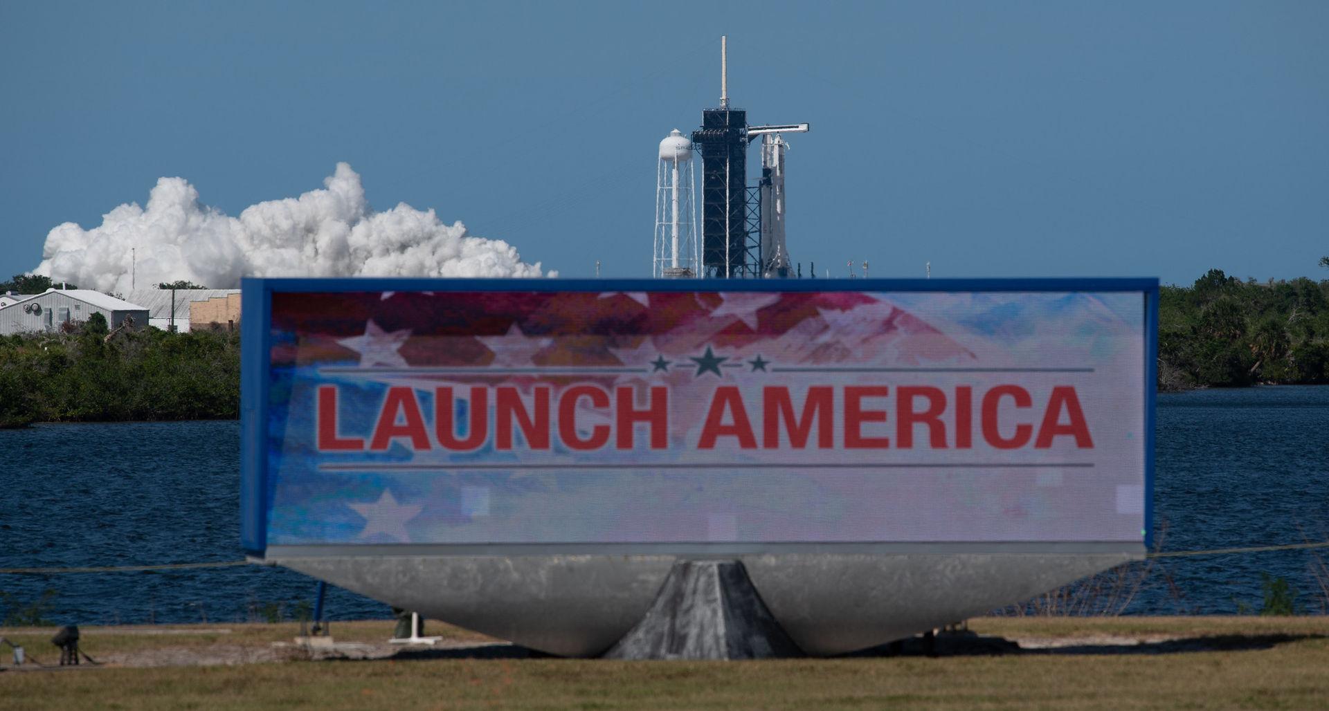 Historisk raketuppskjutning inställd på grund av vädret