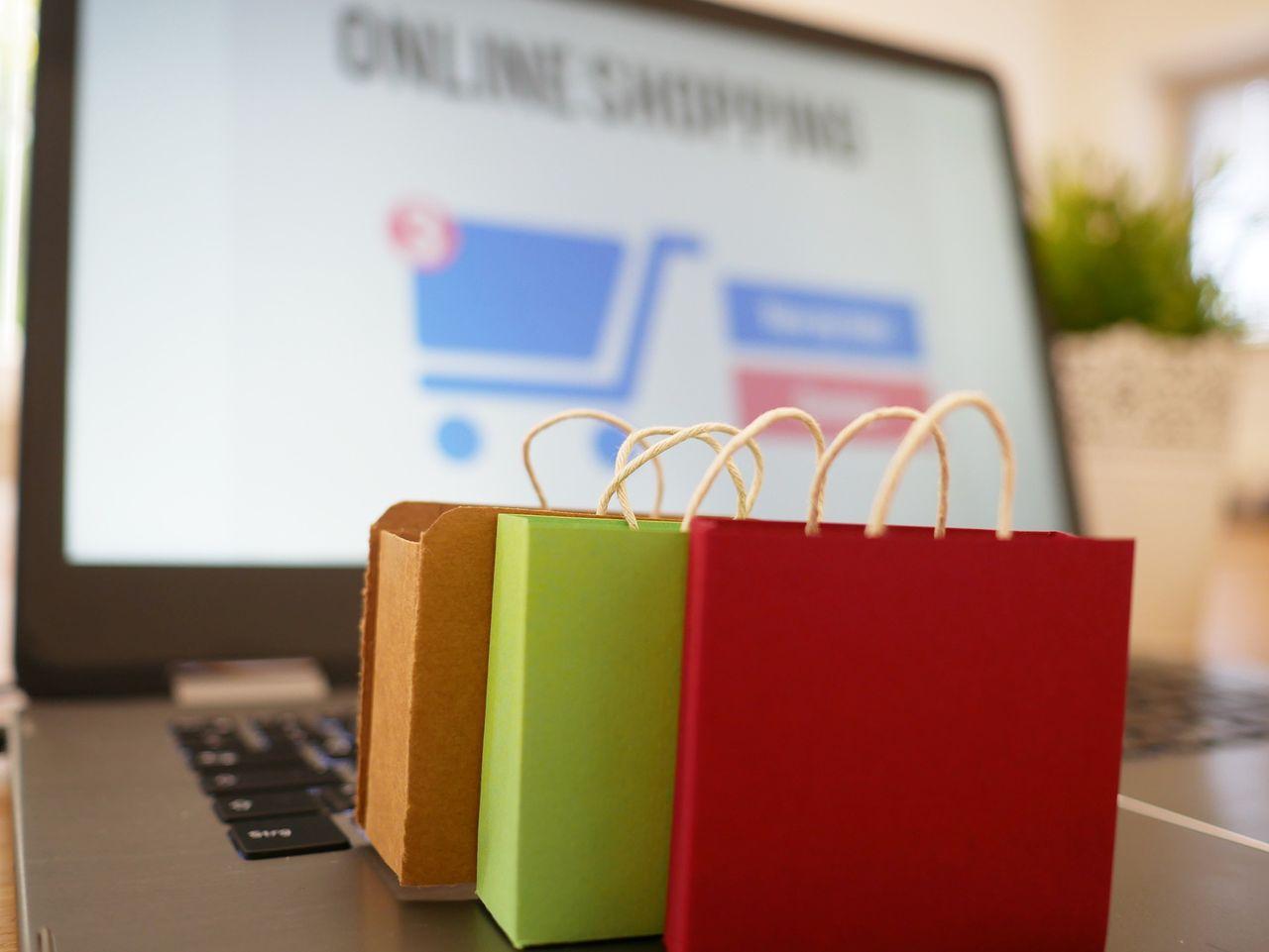 Nästan 80 procent av svenskarna handlade på nätet i april