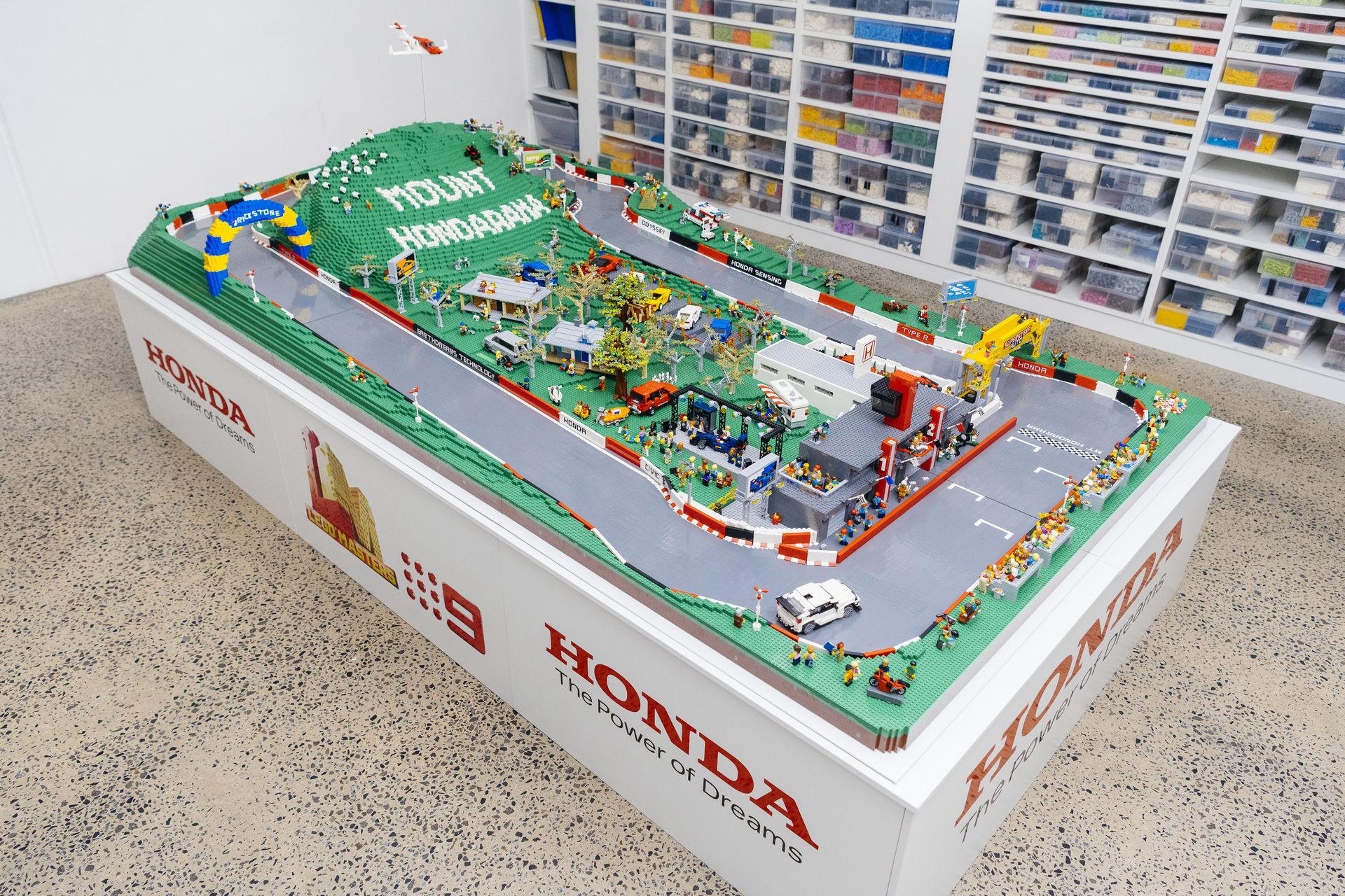 Racerbanan Mount Panorama Circuit i Lego
