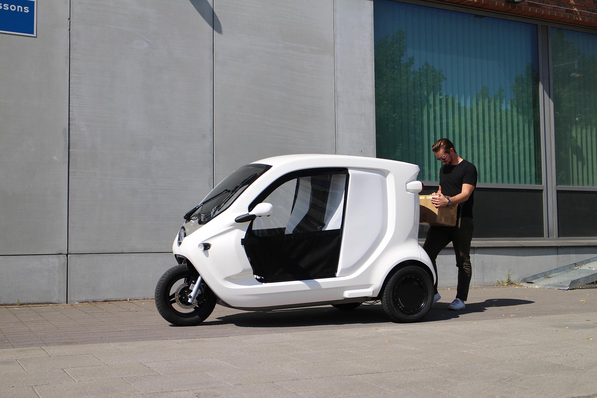 Clean Motion ska utveckla självkörande Zbee Eldriven tuktuk ska användas för autonoma leveranser