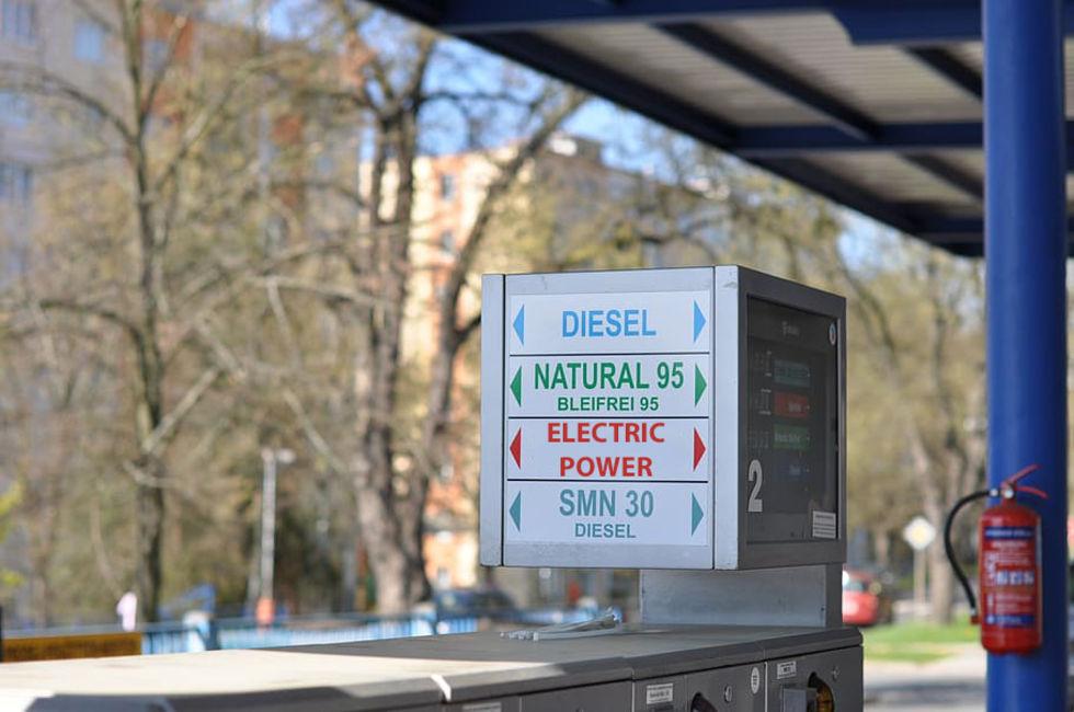I Tyskland ska det finnas elbilsladdning på varje mack