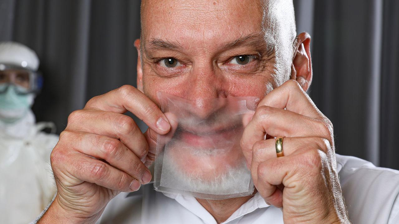 Forskare utvecklar transparenta munskydd