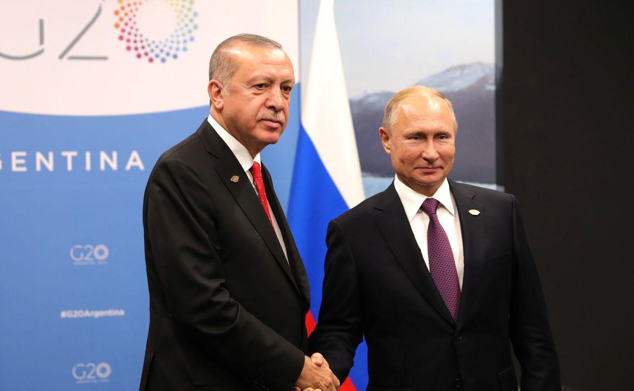 Kina och Turkiet riktar kritik mot Twitter