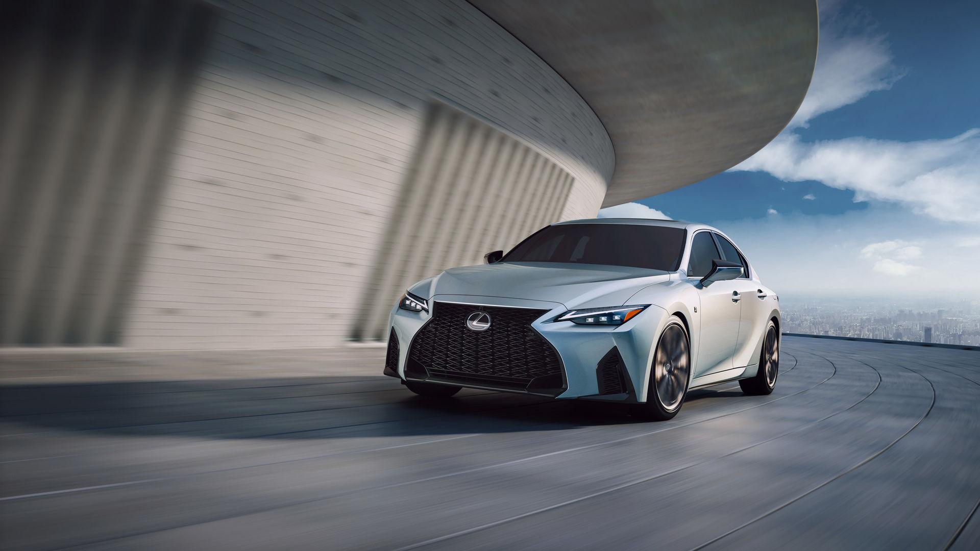 Lexus presenterar uppdaterad IS