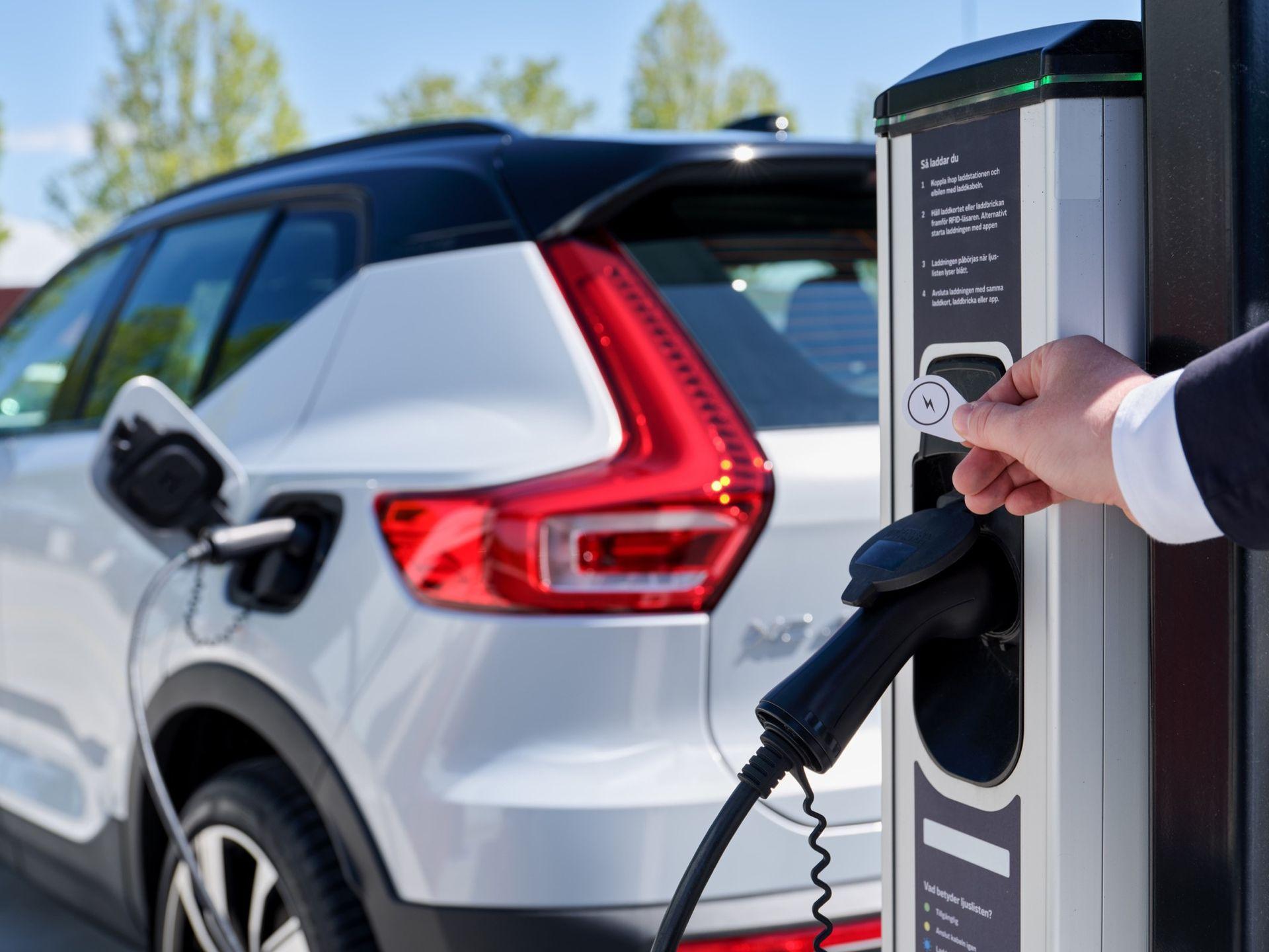 Även Volvo börjar samarbeta med Plugsurfing