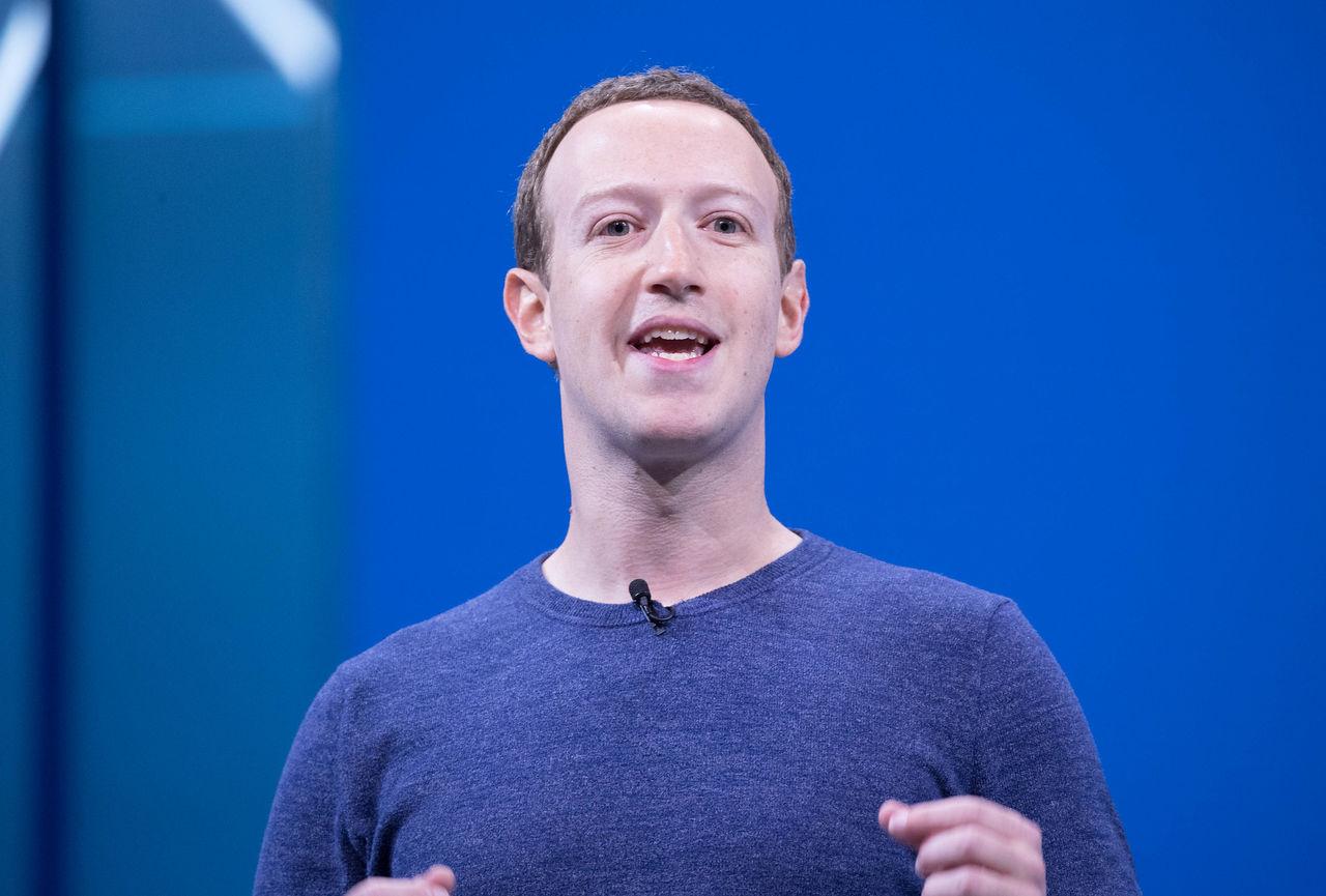 Facebook lovar krafttag mot hets mot minoritetsgrupper