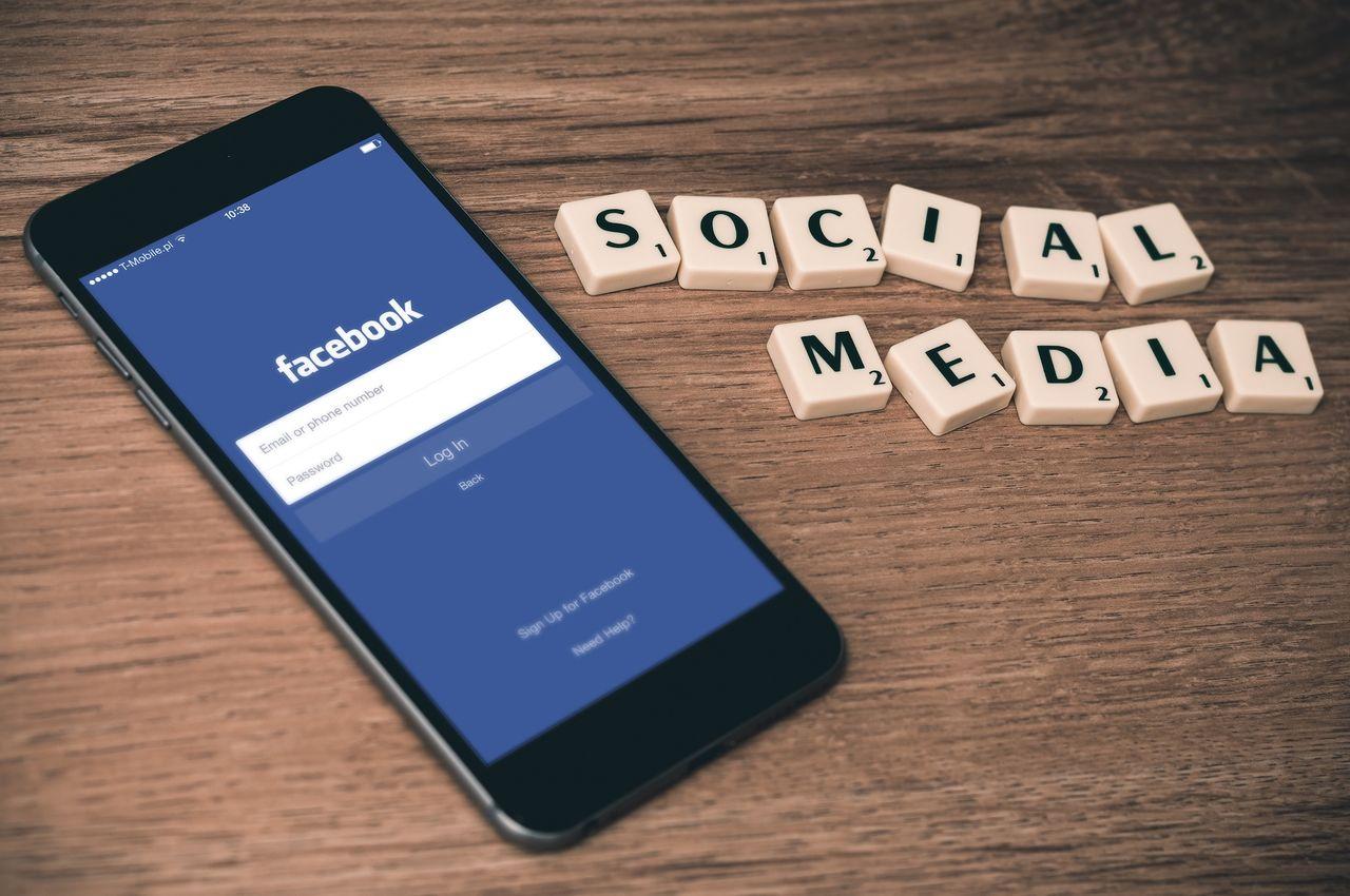 Facebook varnar vid delning av gamla artiklar