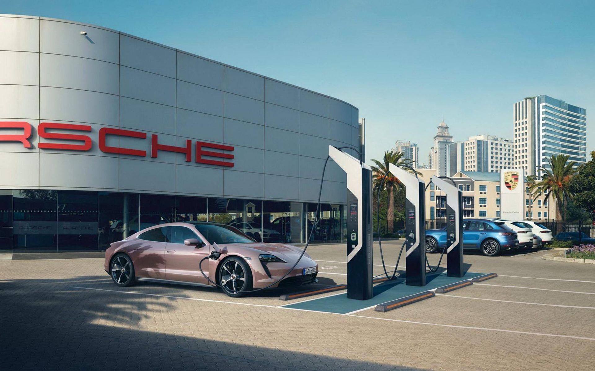 Snik-version av Porsche Taycan presenterad i Kina