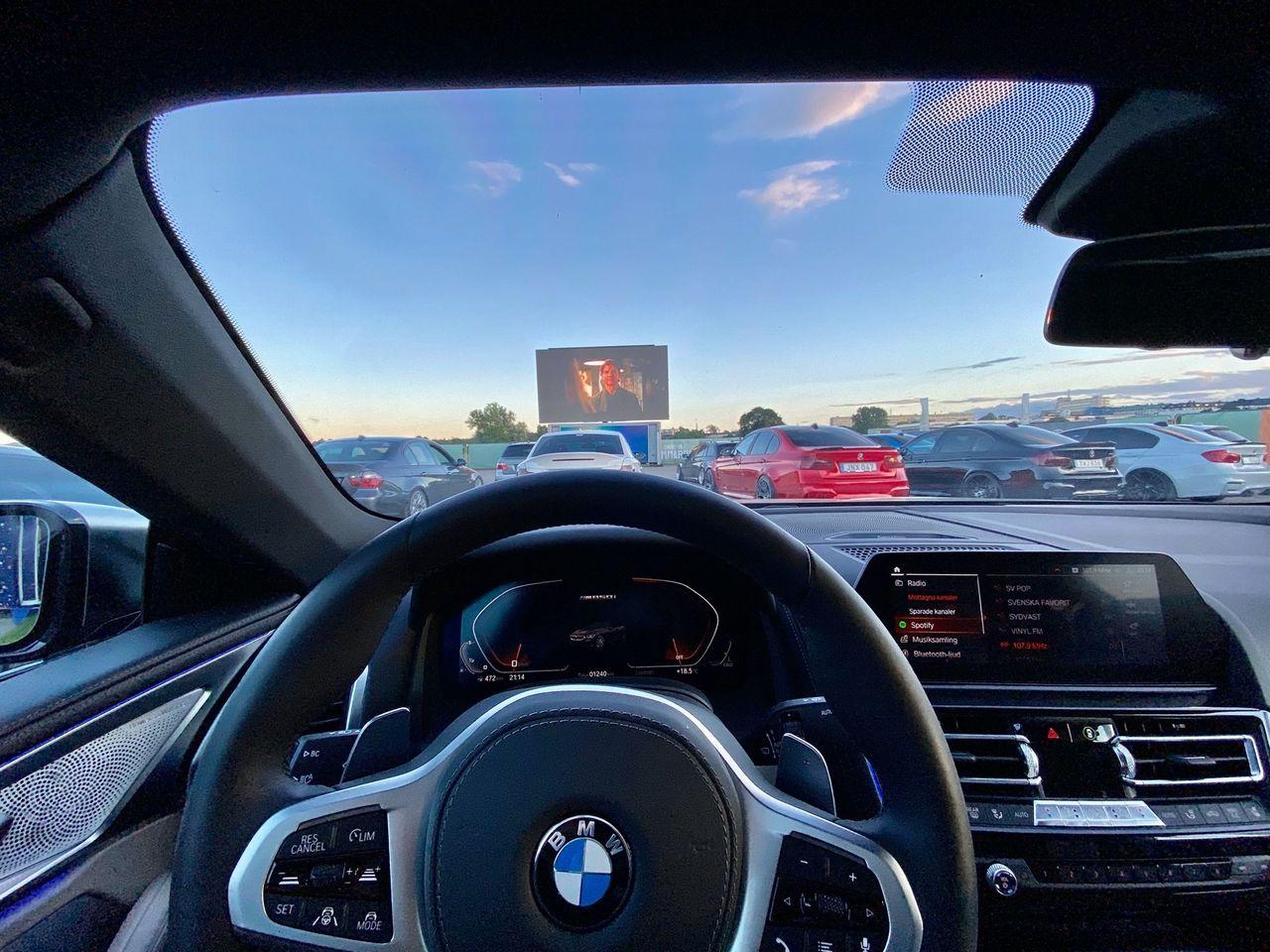 Nu kan man kolla på drive-in-bio i Stockholm