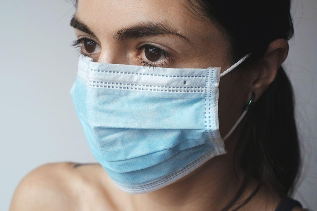 Nu rekommenderas munskydd på svenska flygplatser