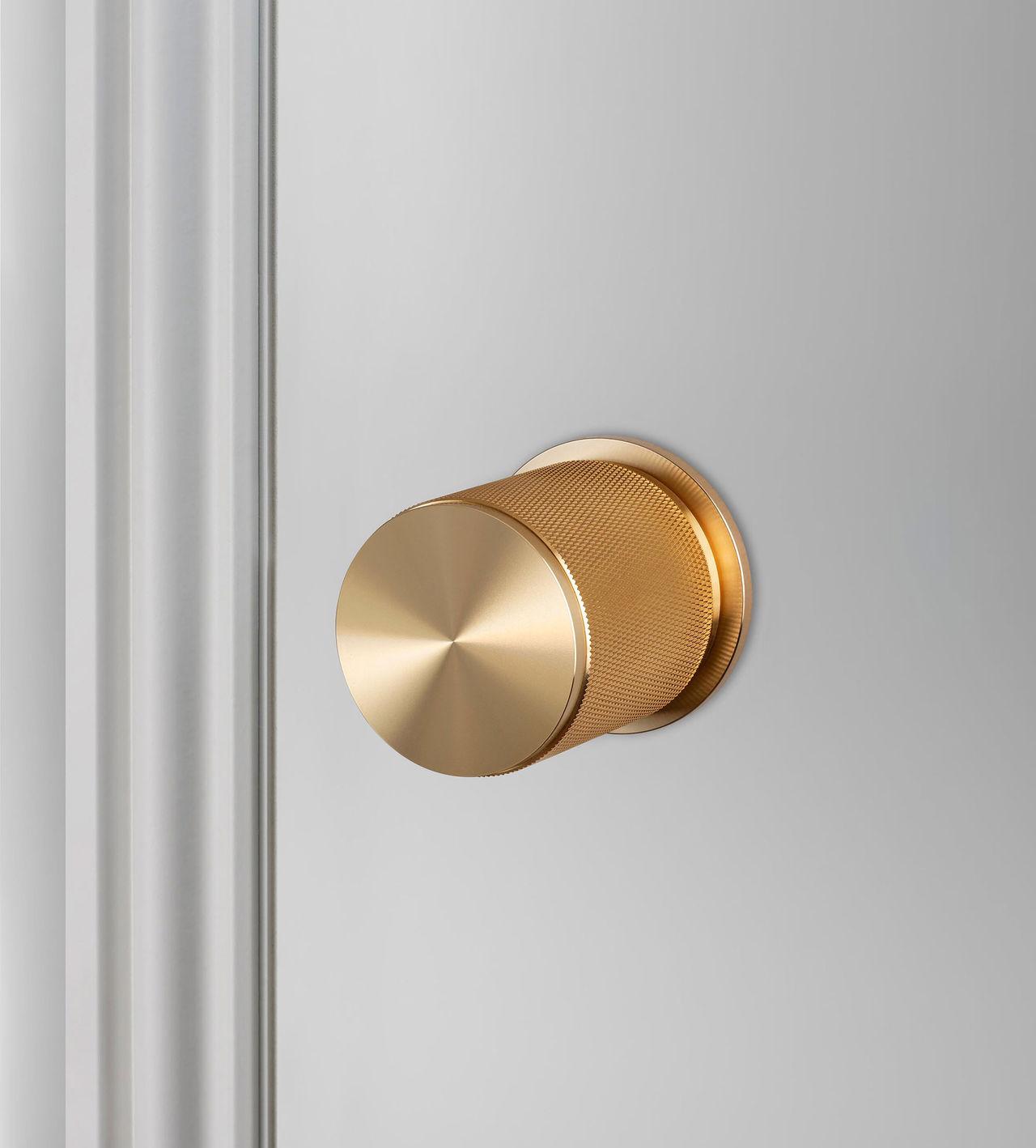 Stiligt dörrhandtag