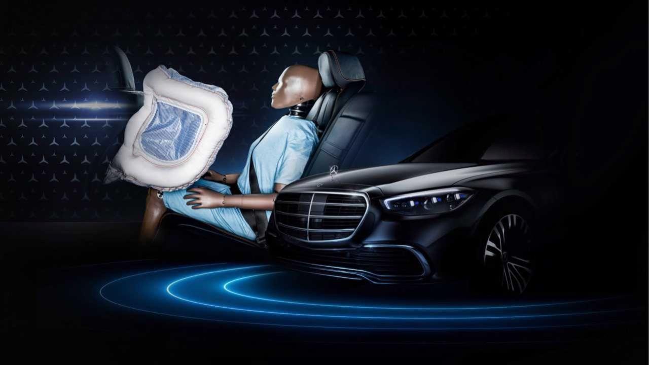Mercedes S-Klass får världens första krockkudde för baksätet