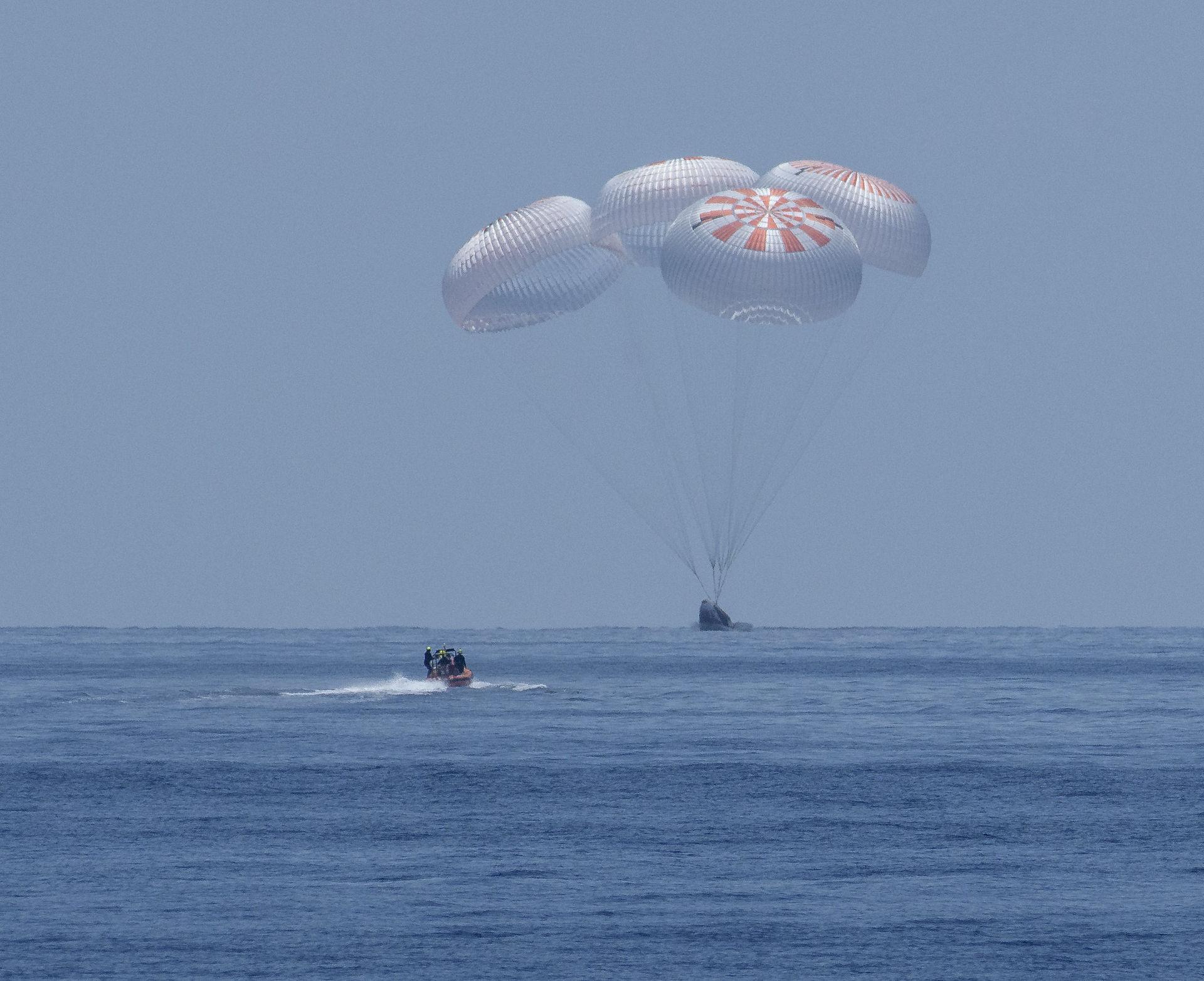 Crew Dragon-astronauter åter på jorden