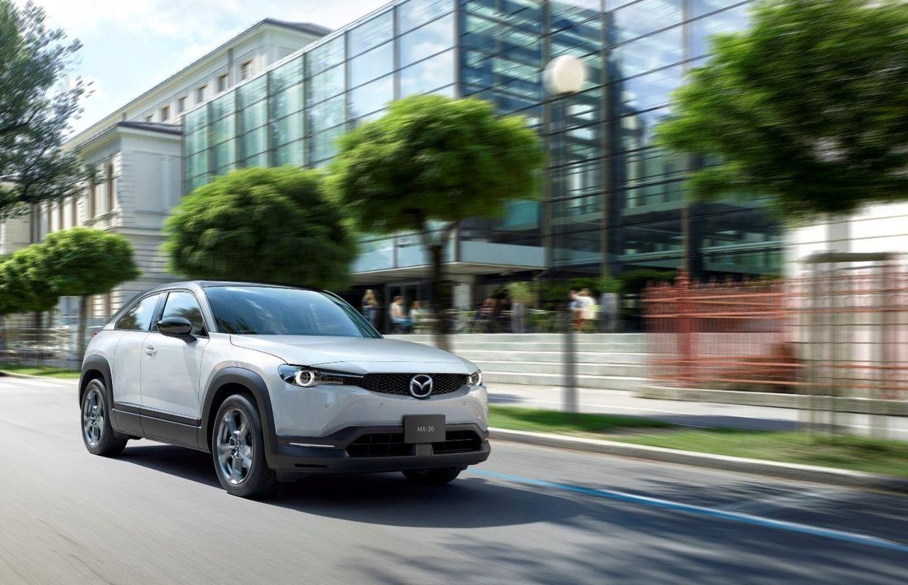 Mazdas elbil kommer även som mildhybrid