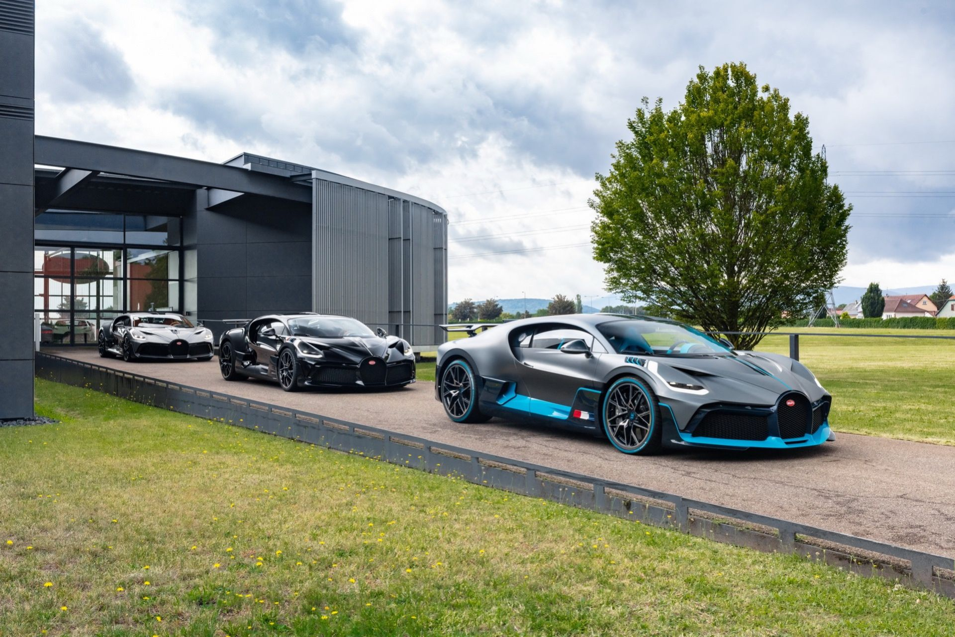 Leveranserna av Bugatti Divo drar igång