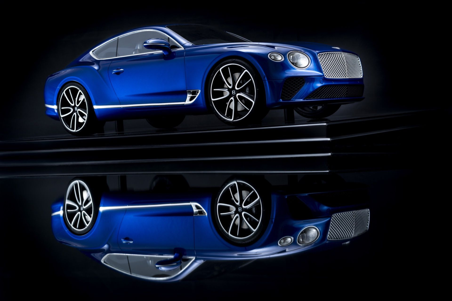 Ny Bentley Continental GT som modellbil
