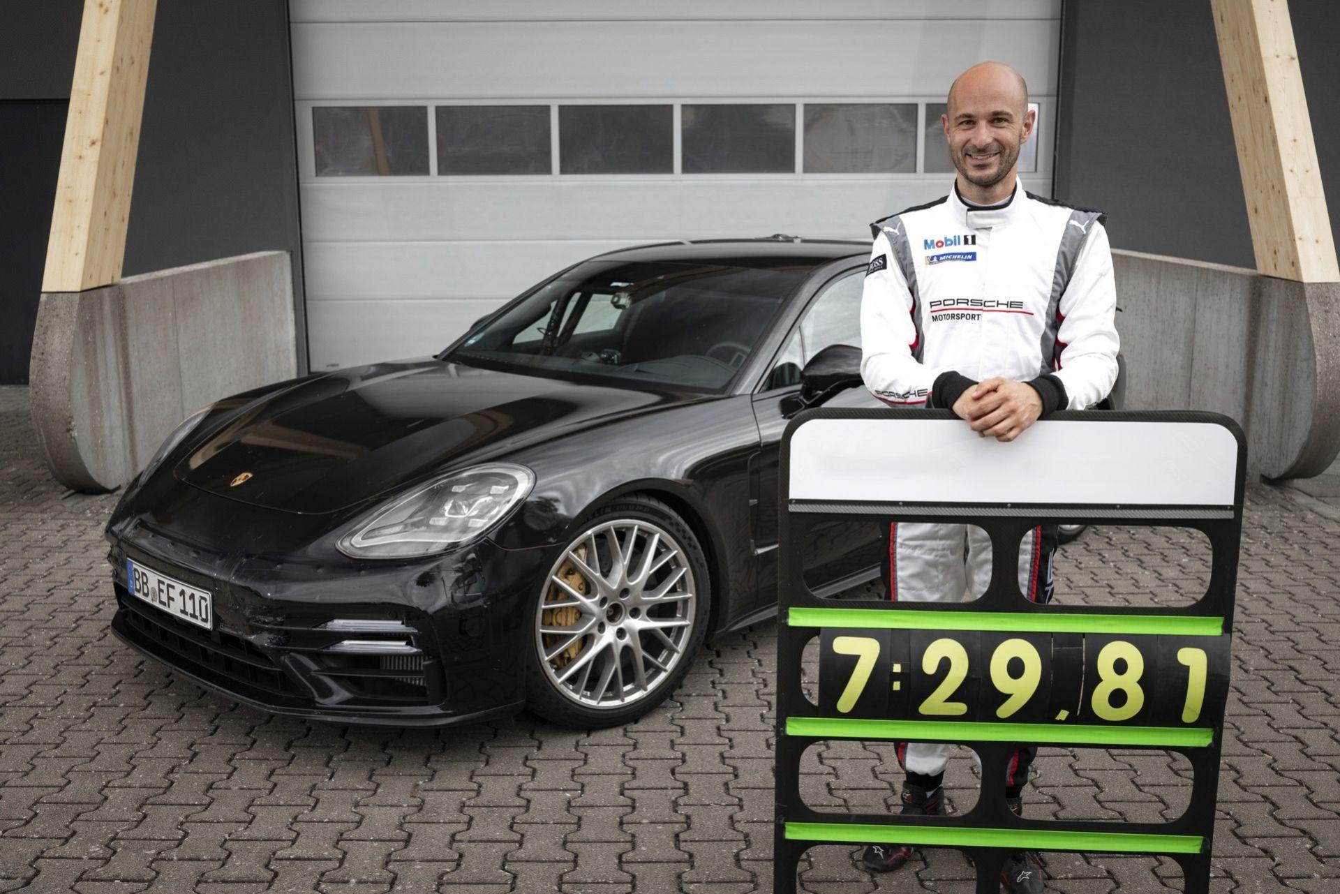 Nya Porsche Panamera slår lyxbils-rekord på Nürburgring