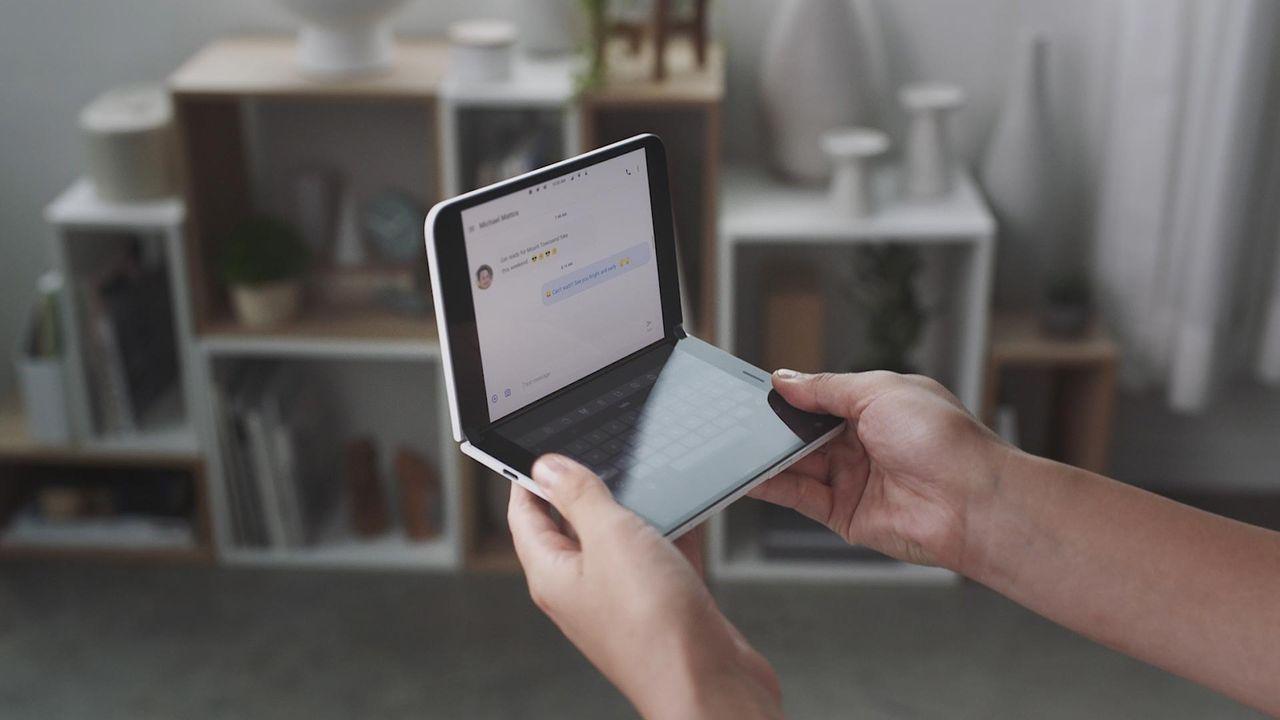 Microsoft lovar tre år med stora uppdateringar till Surface Duo