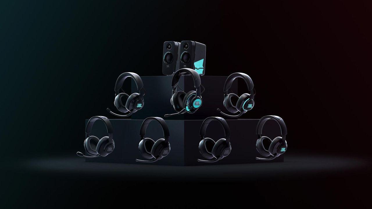 Nu kan du lägga vantarna på JBL:s headsetserie Quantum