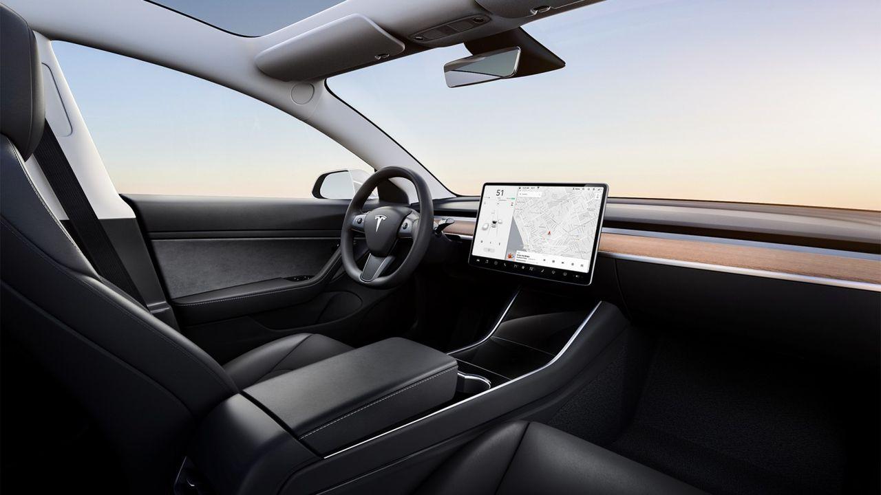 Tesla vill ha teknik som upptäcker barn som lämnats i varm bil