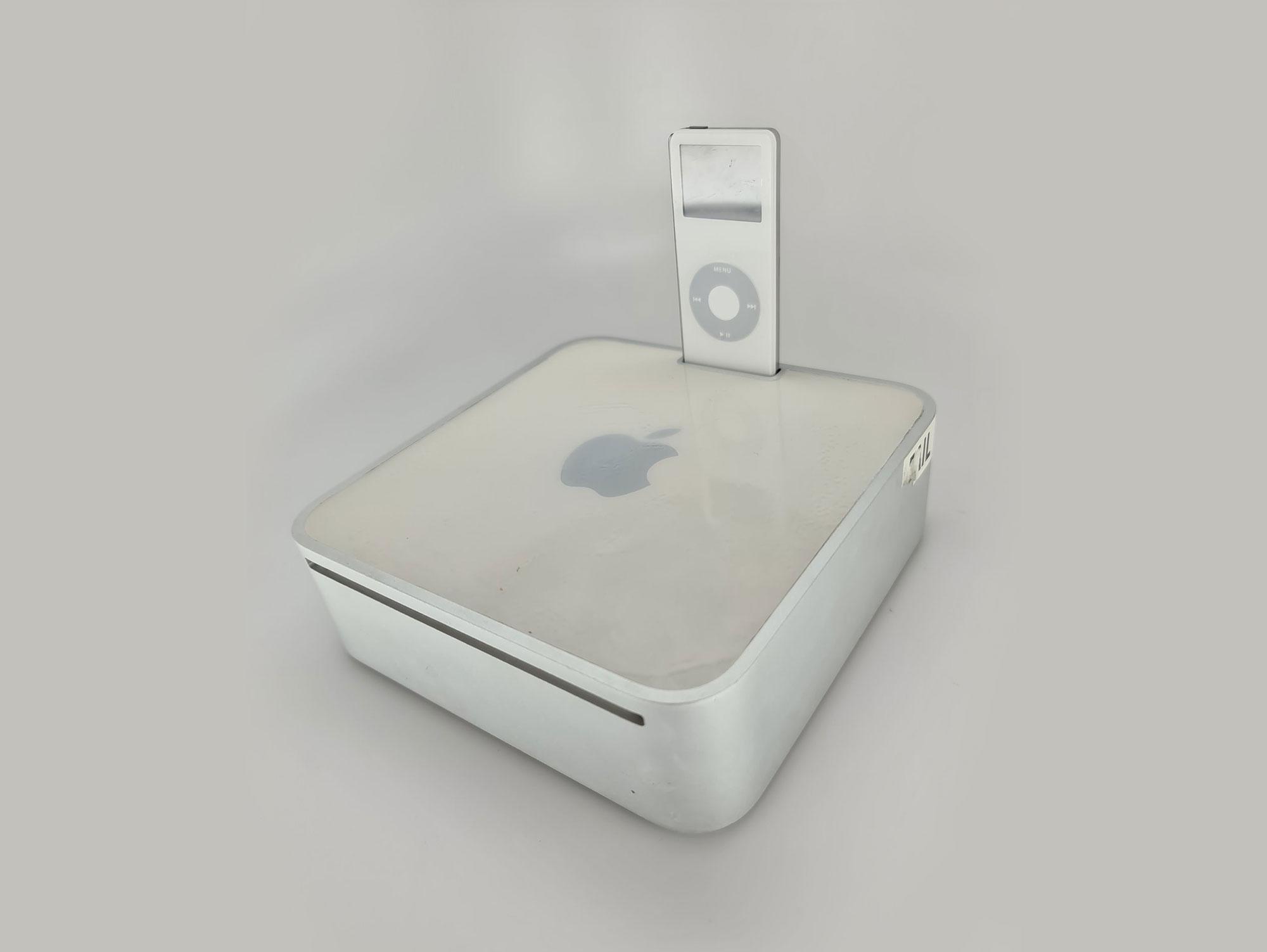 Apple funderade på att släppa Mac mini med iPod-hållare Var nog bra att det inte blev av...