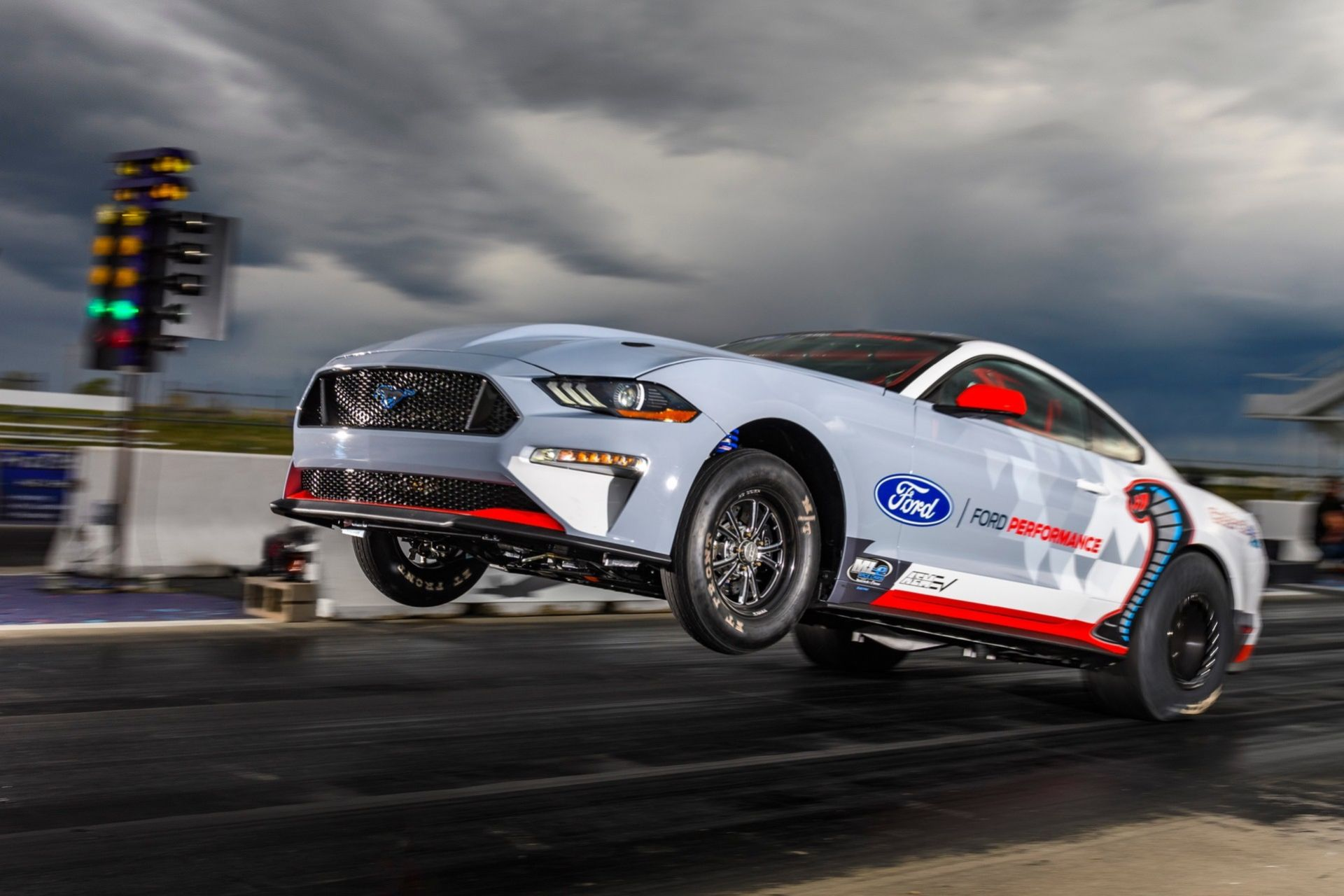 Ford busar med eldriven Mustang-prototyp