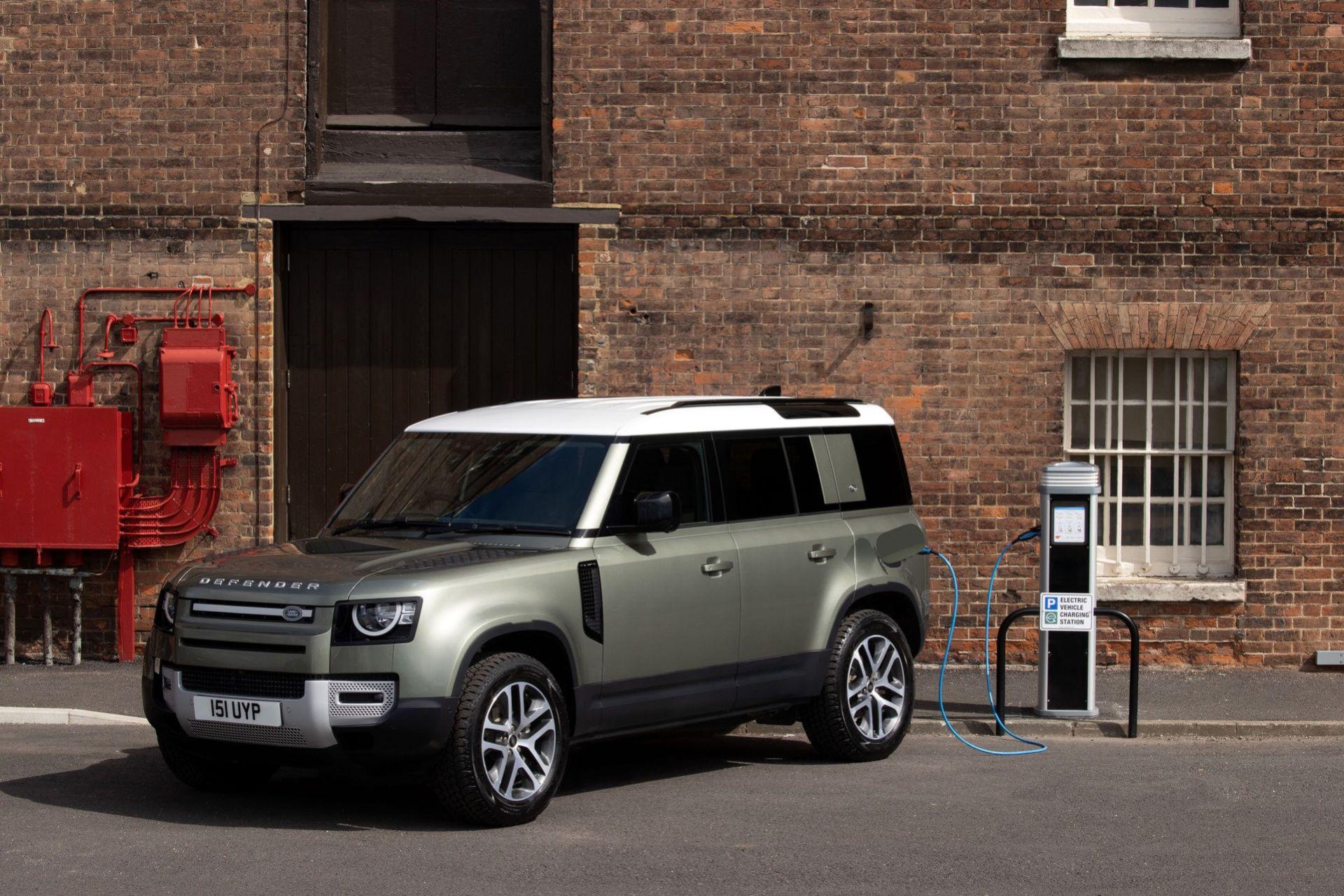 Nya Land Rover Defender nu även som laddhybrid