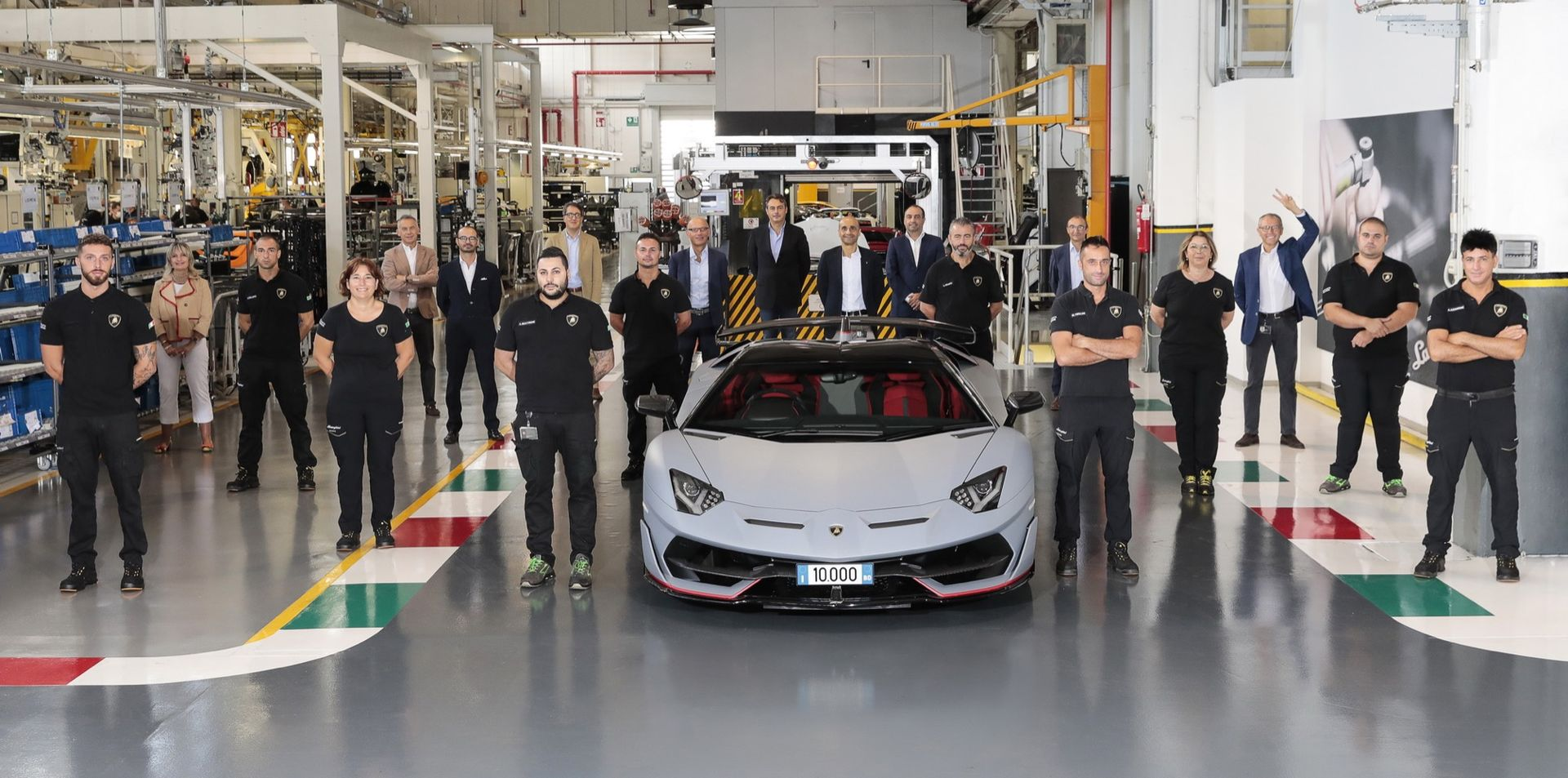Tut i luren! Lamborghini har byggt 10.000 stycken Aventador