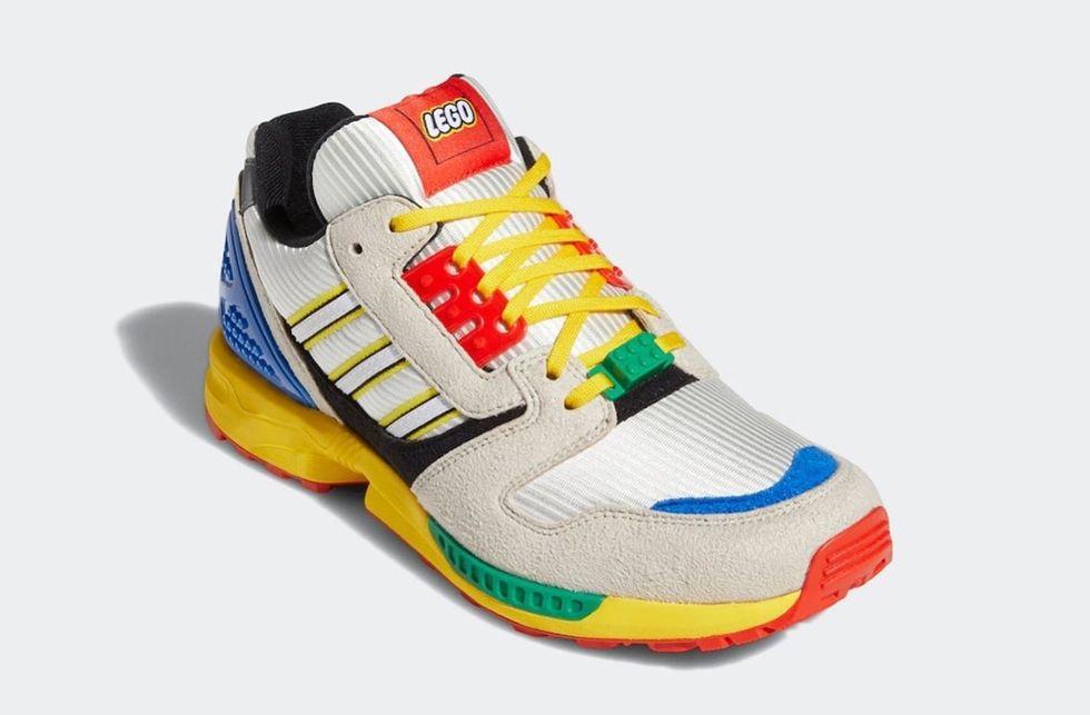Här är Adidas Lego-skor
