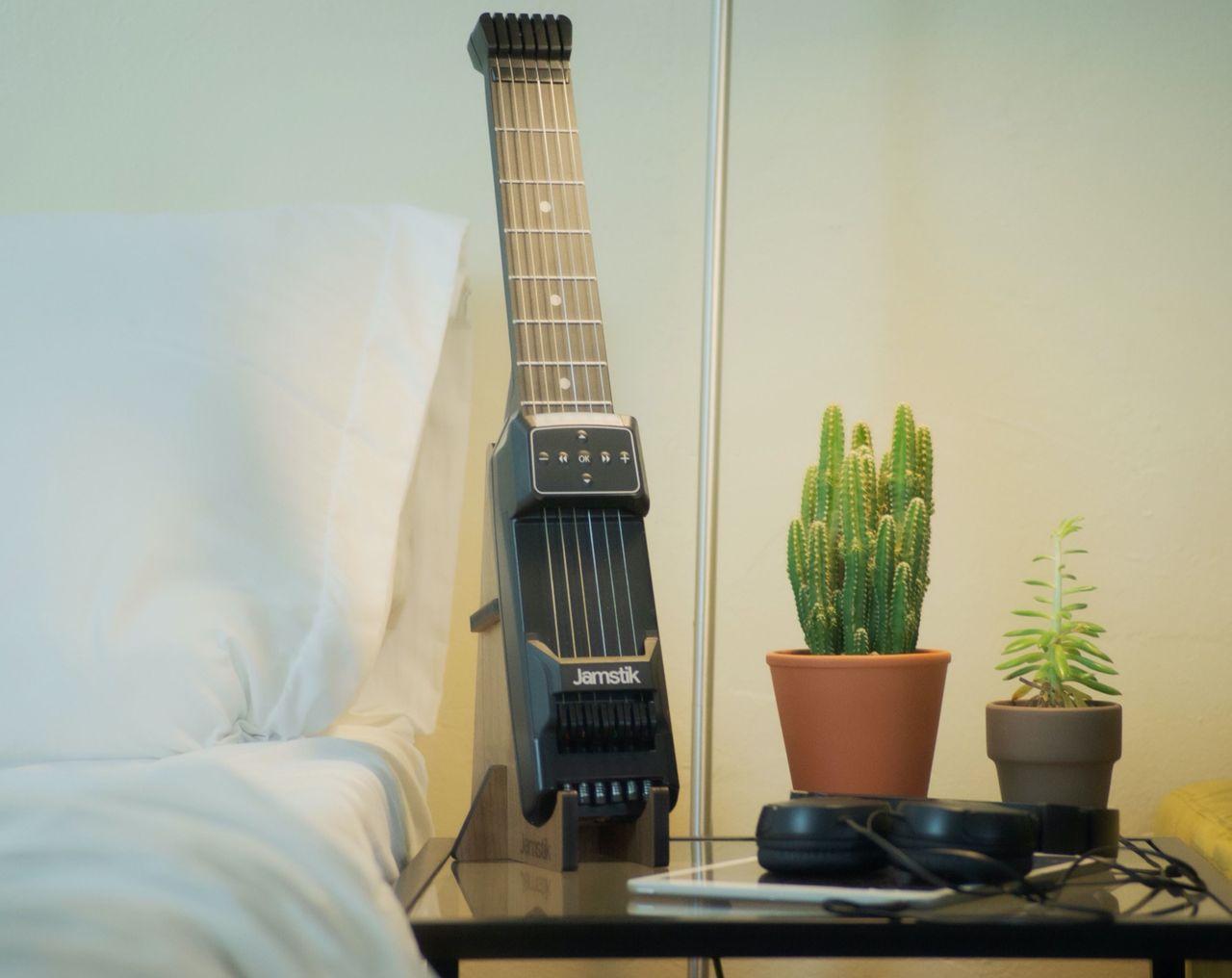 Lär dig spela gitarr med Jamstick