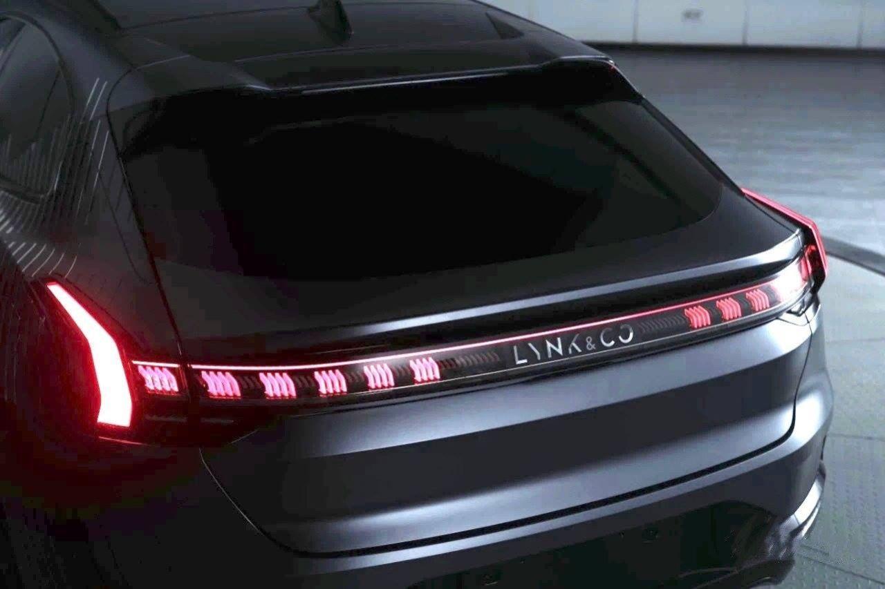 Teaserbild på Lynk & Cos nya eldrivna modell