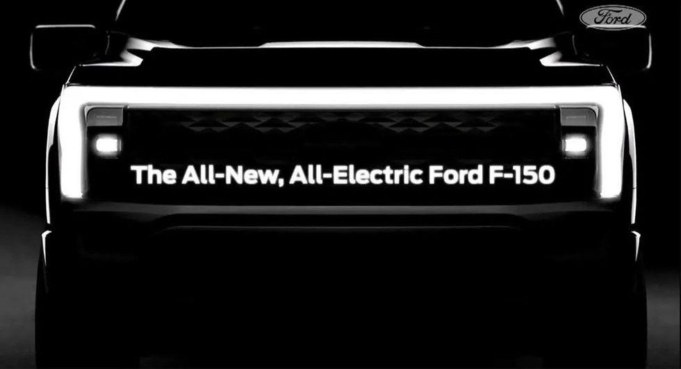 Ford börjar teasa eldrivna F-150