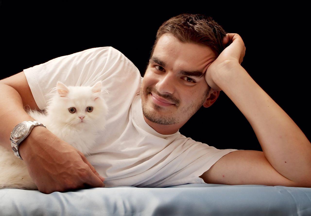 Håll inte i en katt på din profilbild