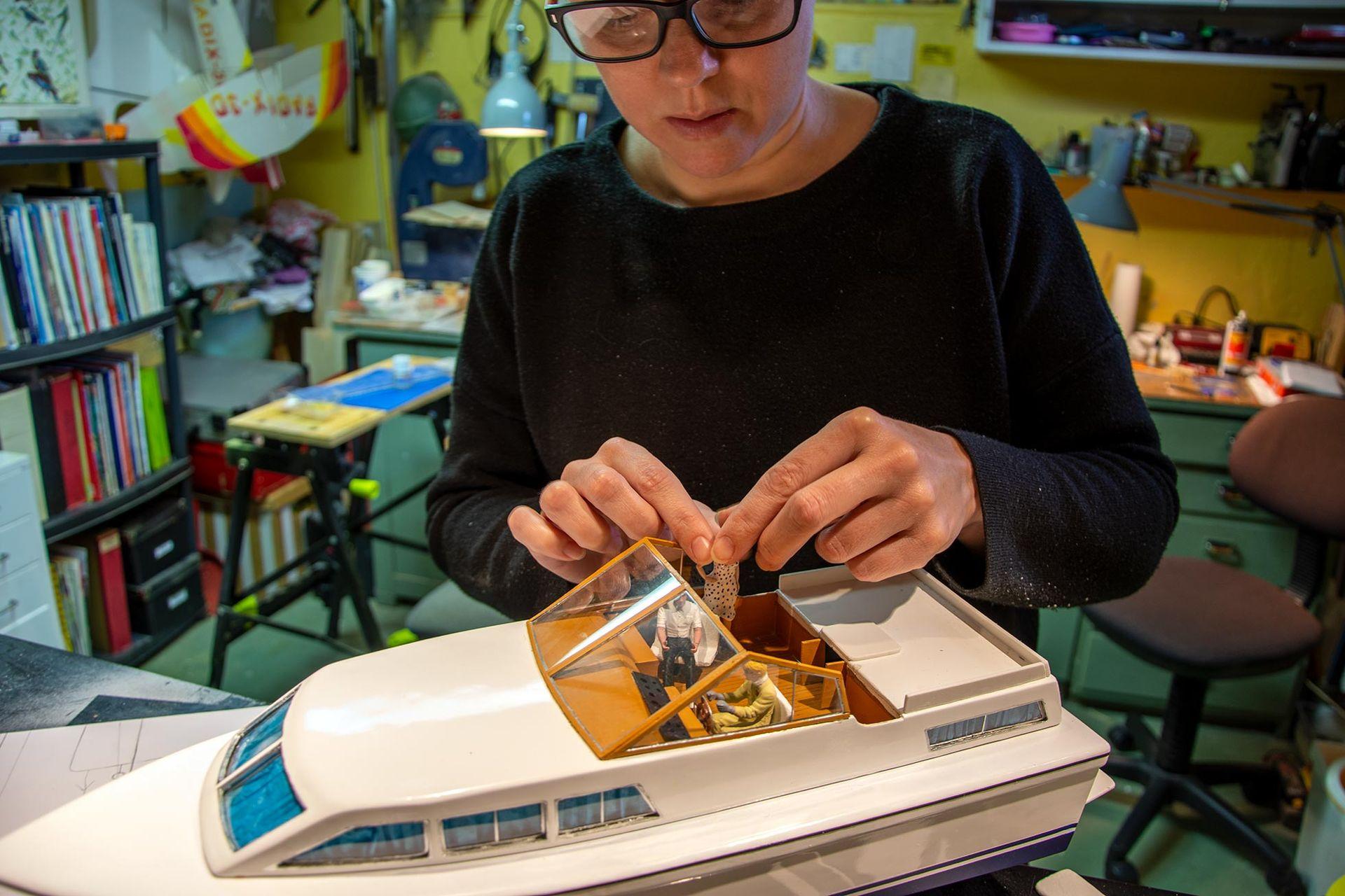 Linda har byggt båten från Göta Kanal