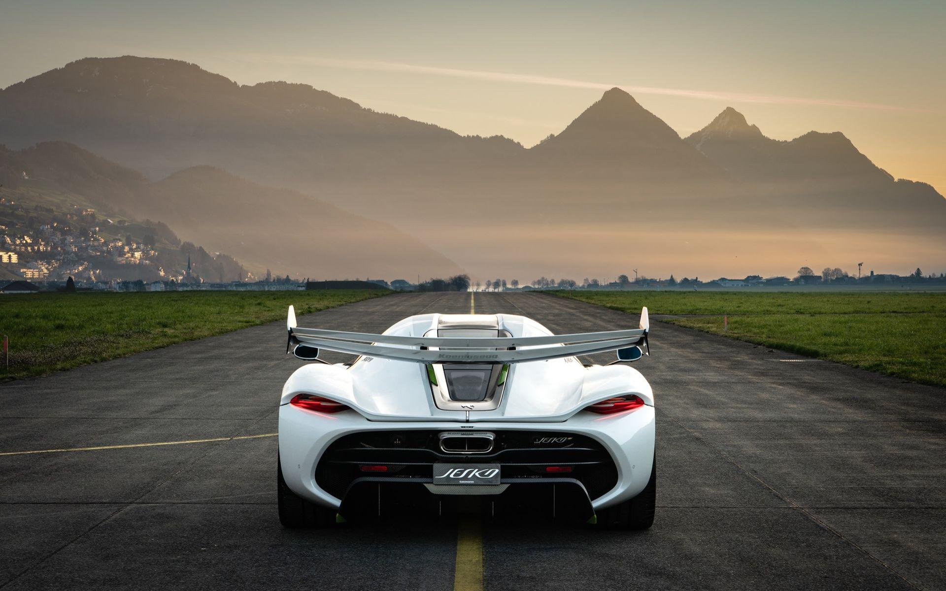 Lyssna på det råa ljudet från en Koenigsegg Jesko