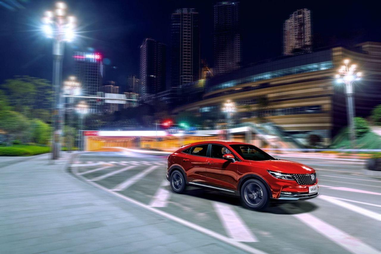 Det kinesiska bilmärket DFSK börjar säljas i Sverige