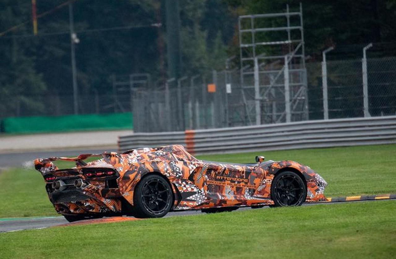 Lamborghini har taklös superbil på gång