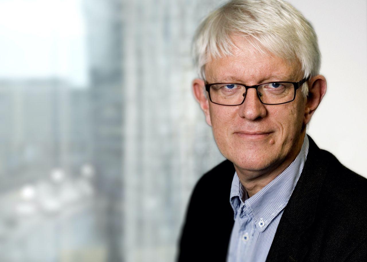 FHM: Svenska coronarestriktioner blir kvar i minst ett år till