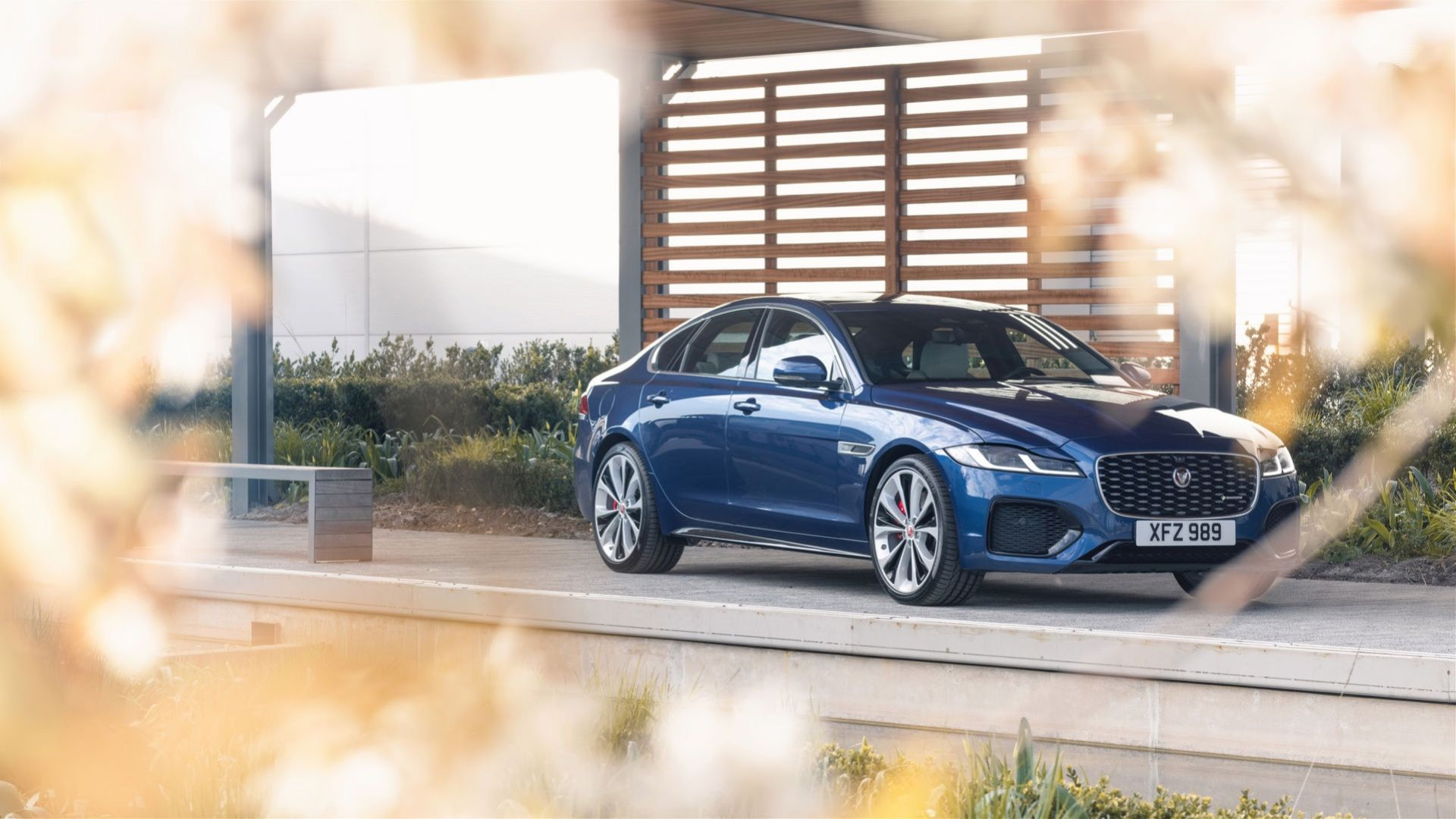 Jaguar lyfter XF