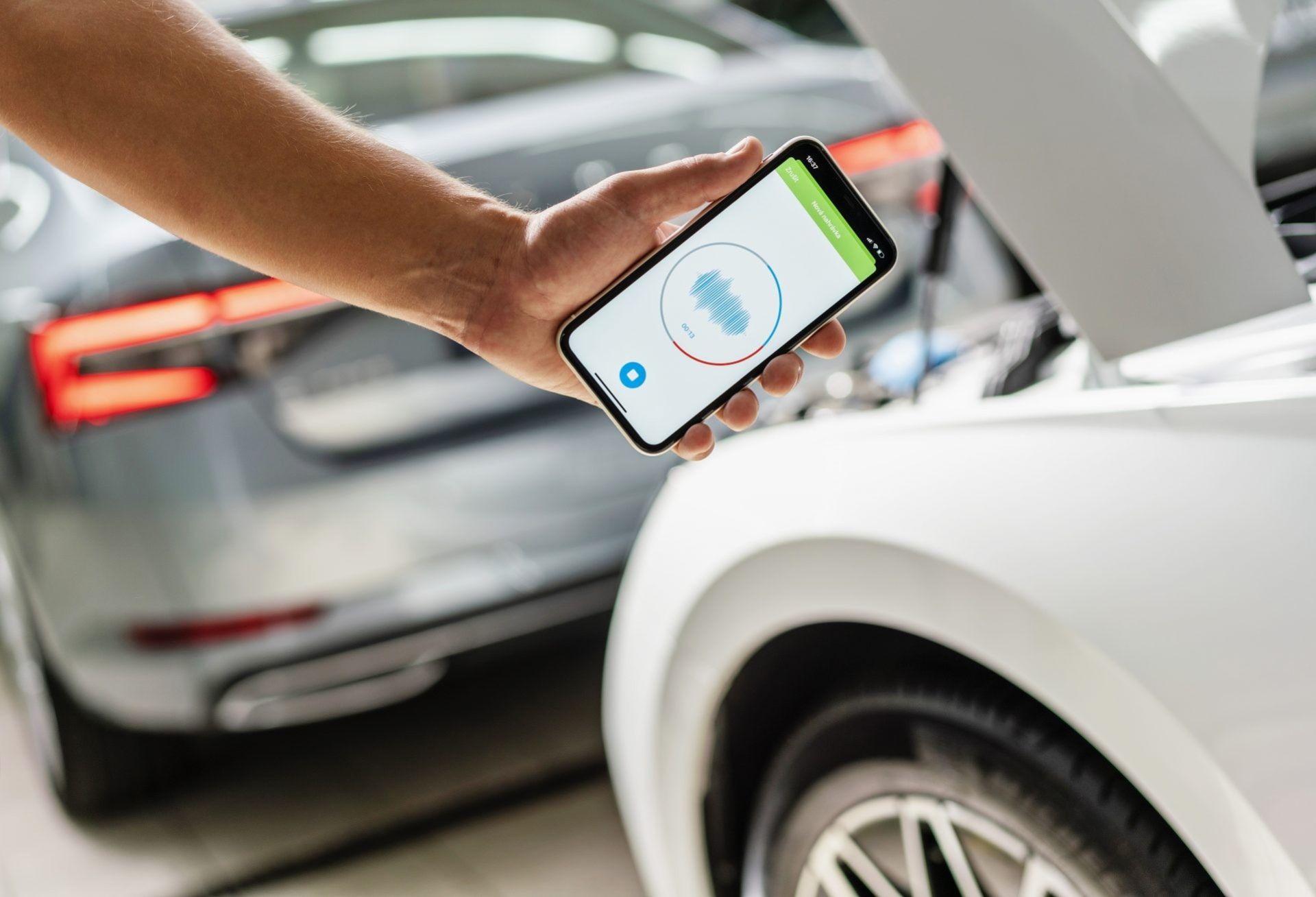 Ny app från Skoda kan höra om det är något fel på bilen