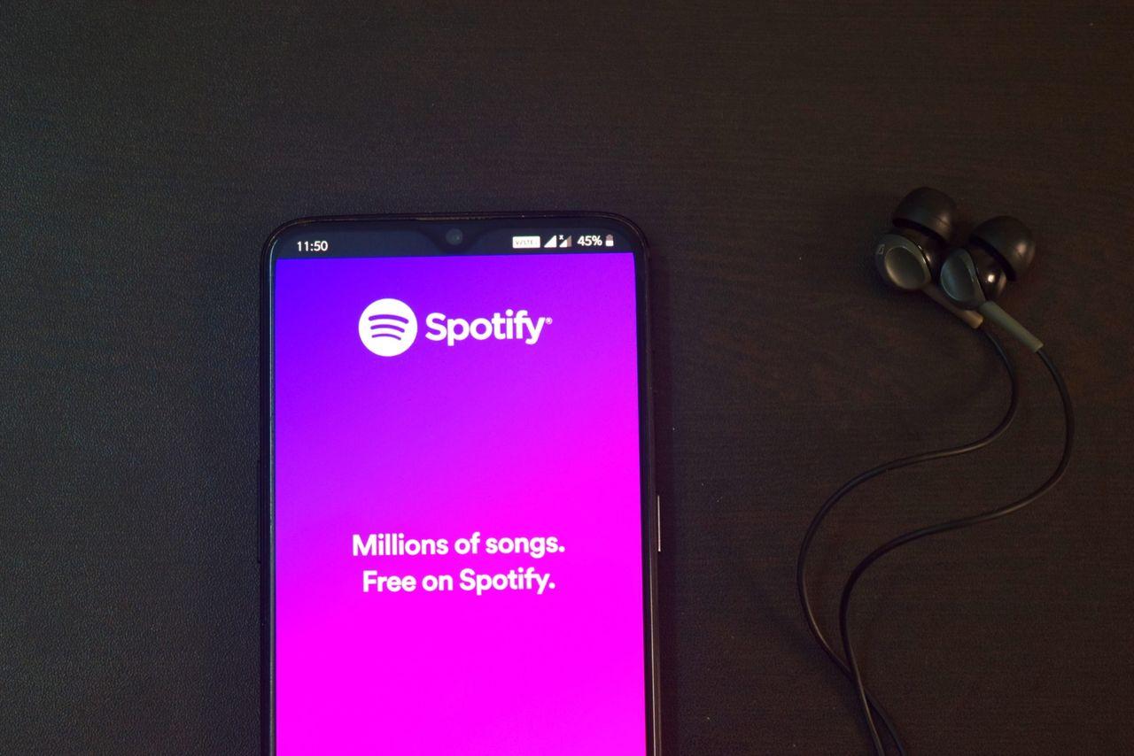 Nu låser Spotify in sina låtlistor