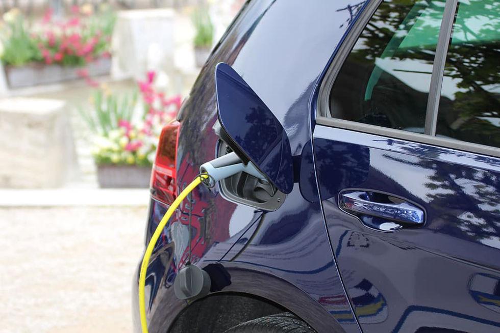 Nu säljs det fler elektrifierade bilar än dieslar i Europa