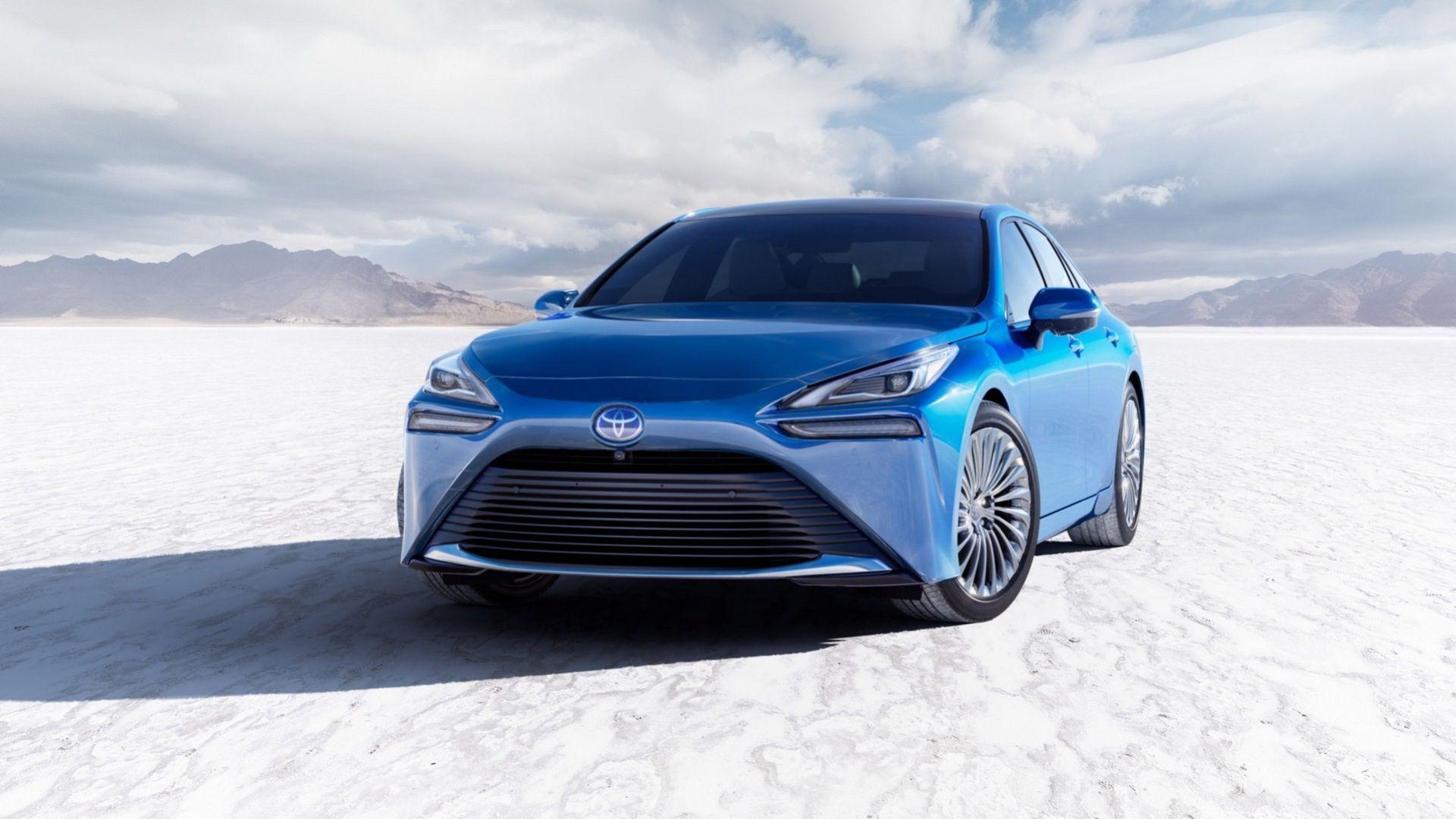 Nya Toyota Mirai i produktionsutförande
