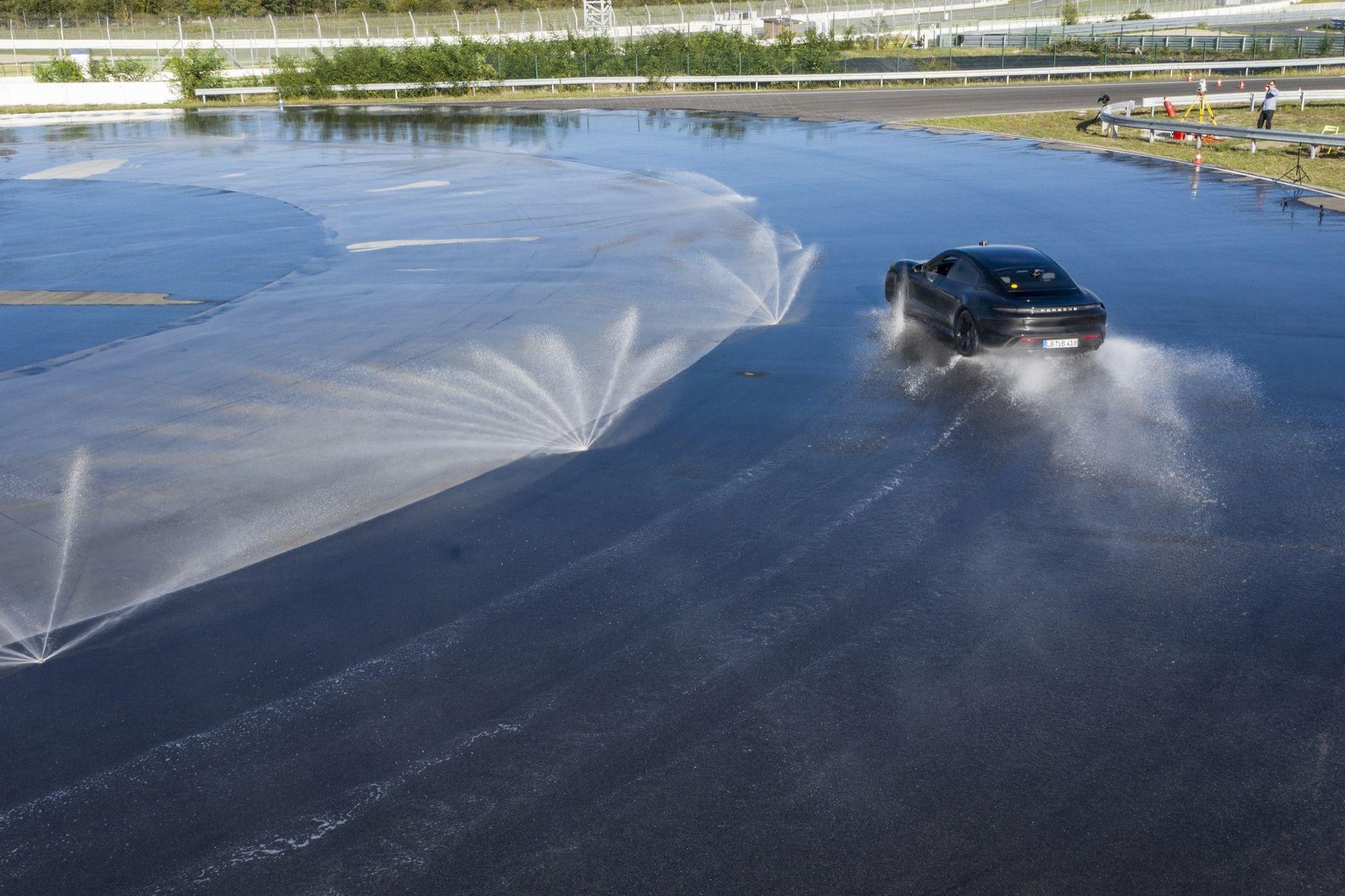 Porsche sladdar in ett nytt världsrekord