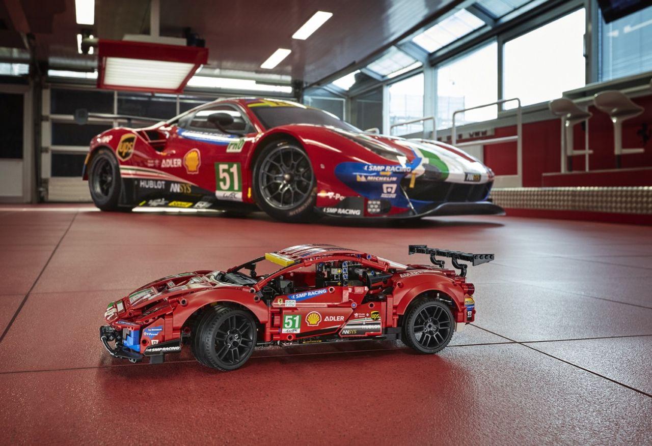Ferrari nu som Lego Technic för första gången