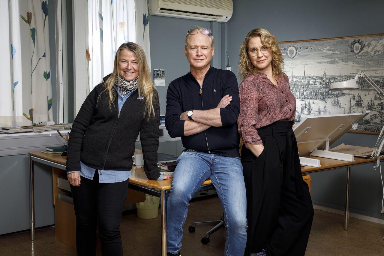 Robert Gustafsson gör rollen som Skandiamannen