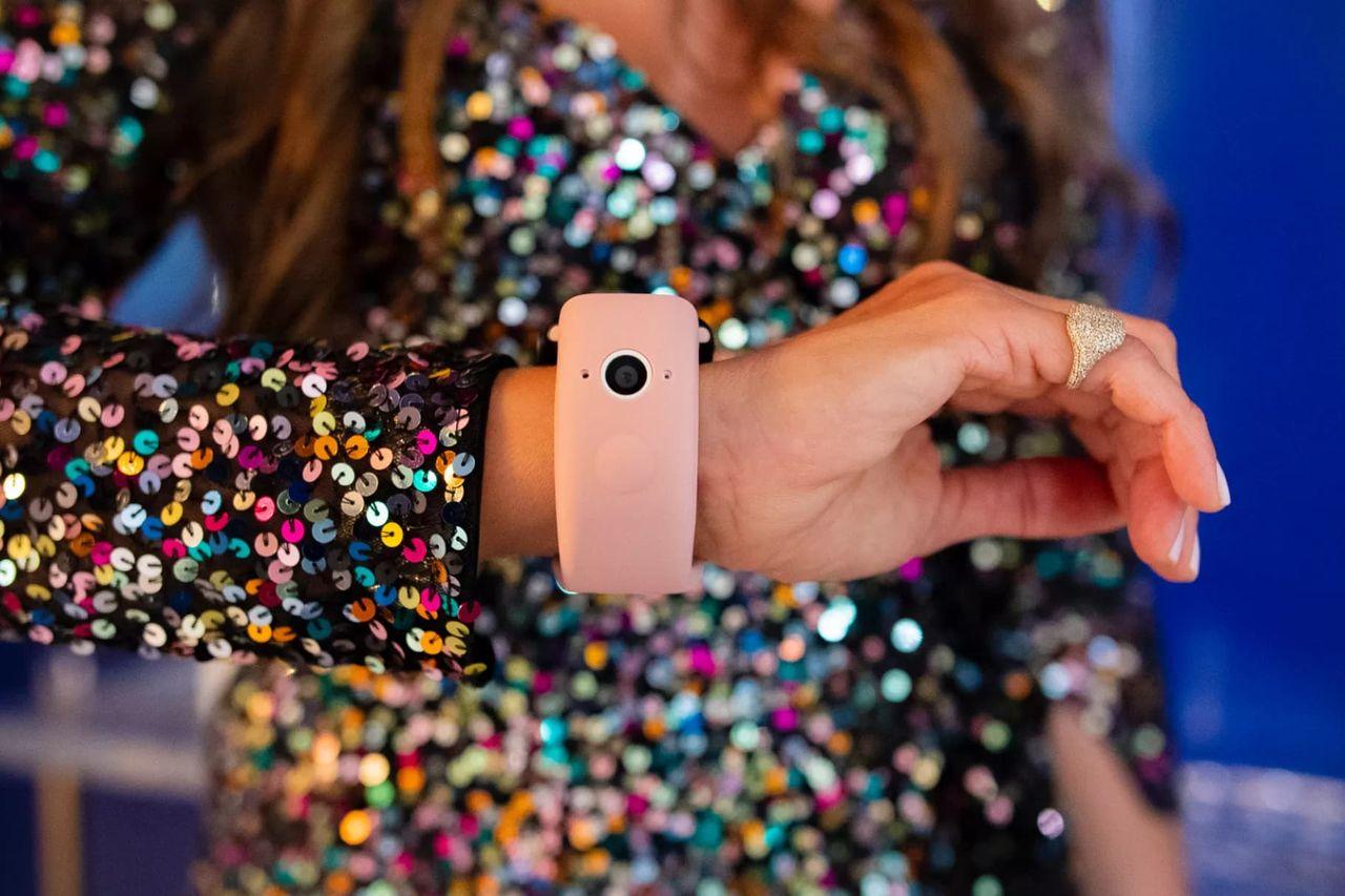 Wristcam är ett klockarmband med kamera till Apple Watch